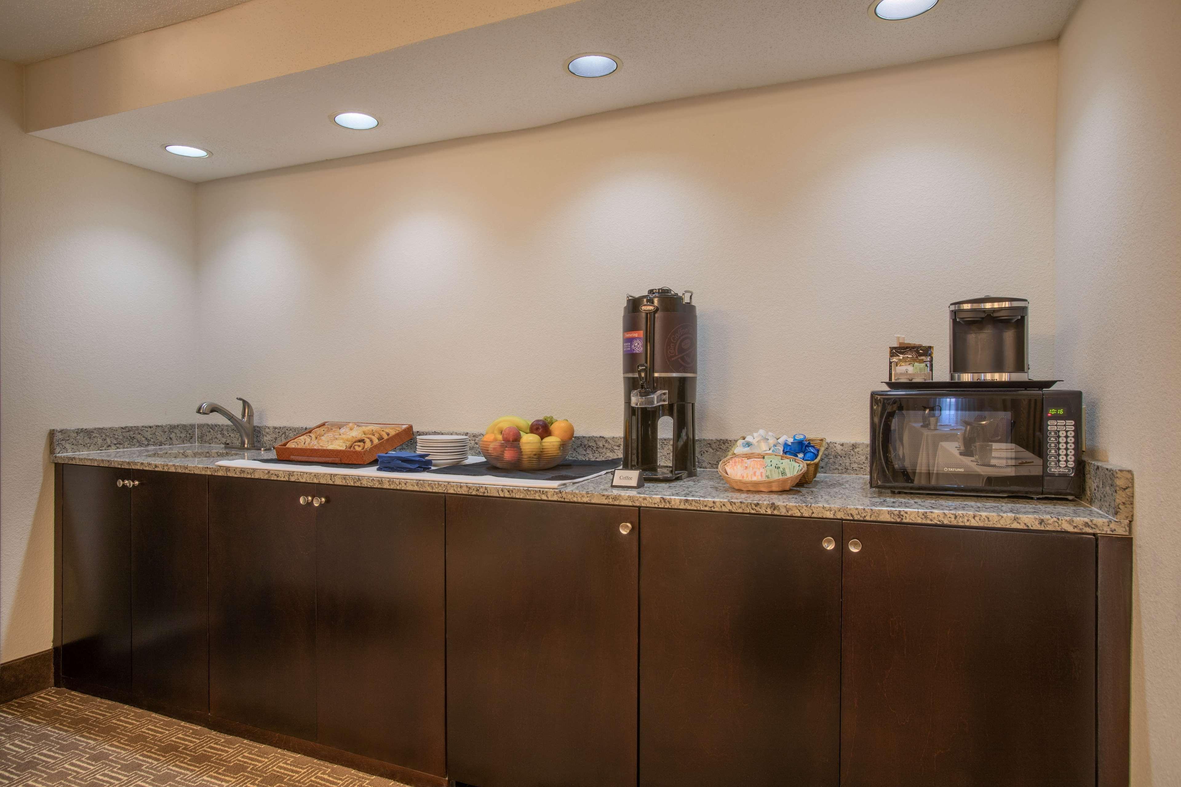 DoubleTree Suites by Hilton Hotel Nashville Airport image 44
