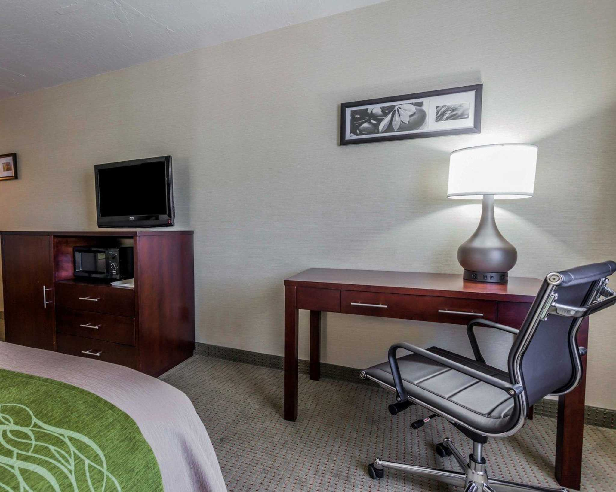 Comfort Inn Kent - Seattle image 8