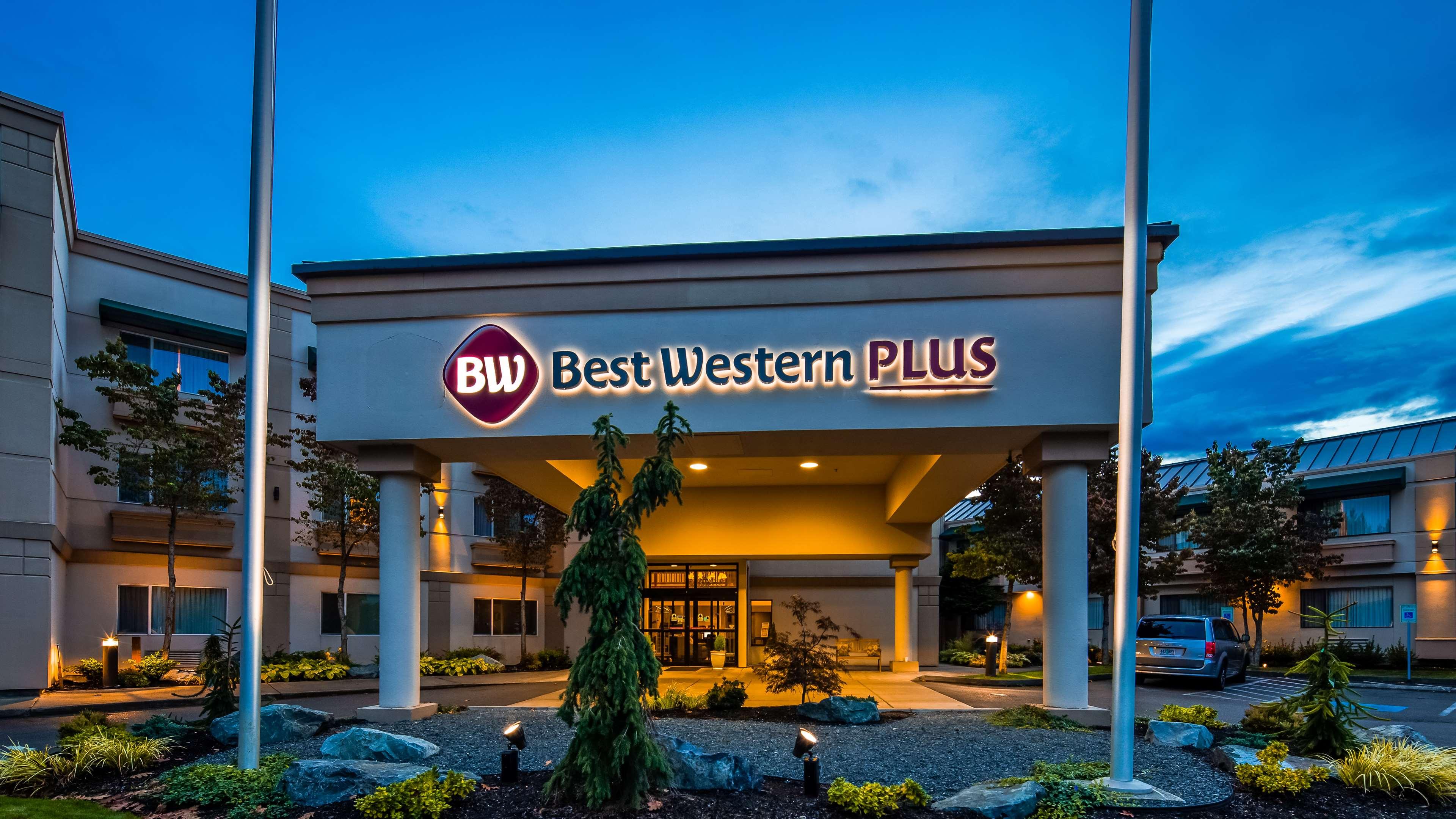 Best Western Plus Edmonds Harbor Inn image 1
