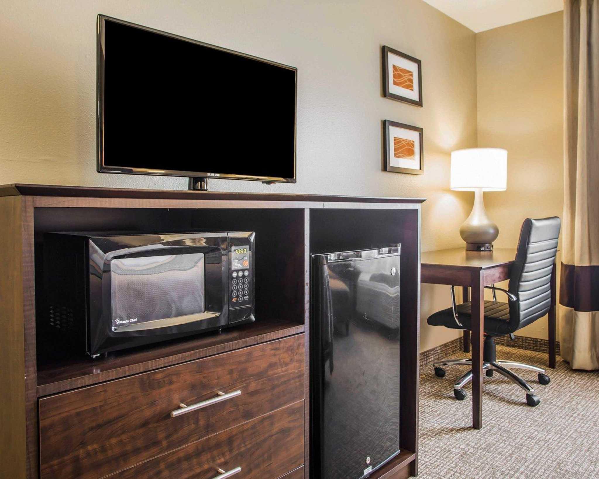 Comfort Inn & Suites Waterloo – Cedar Falls image 5