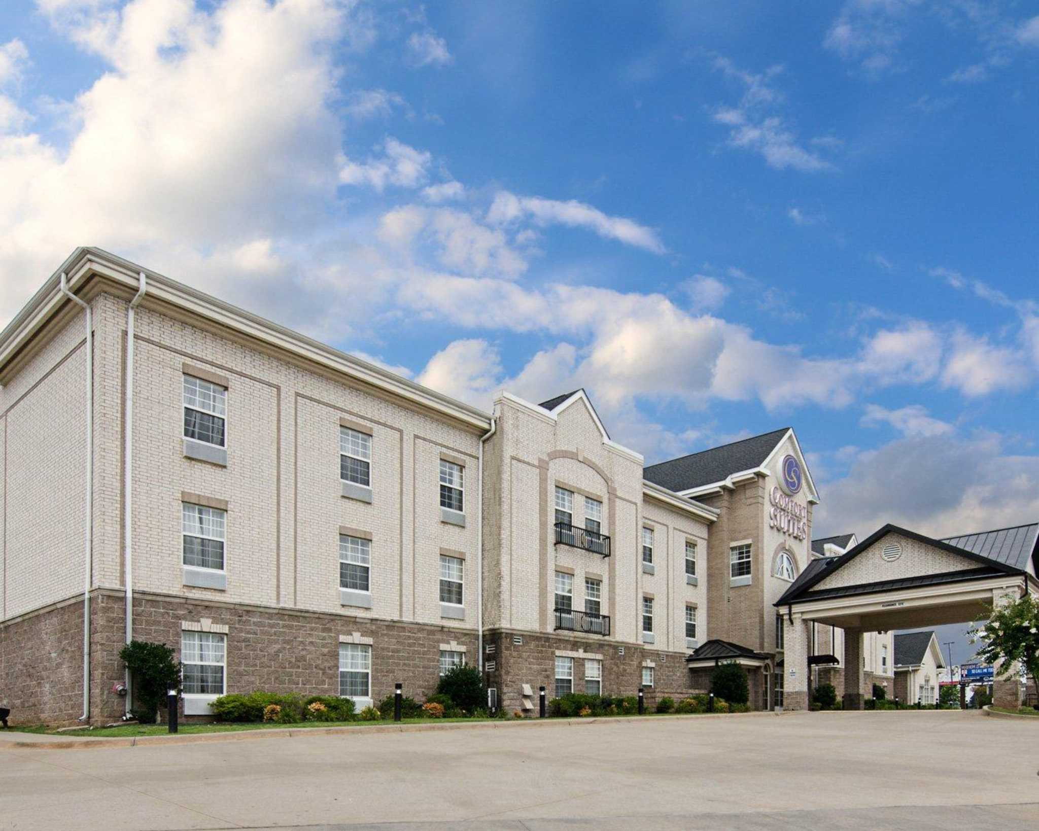 Dmv Conway Ar >> Comfort Suites - Conway, AR - Business Page