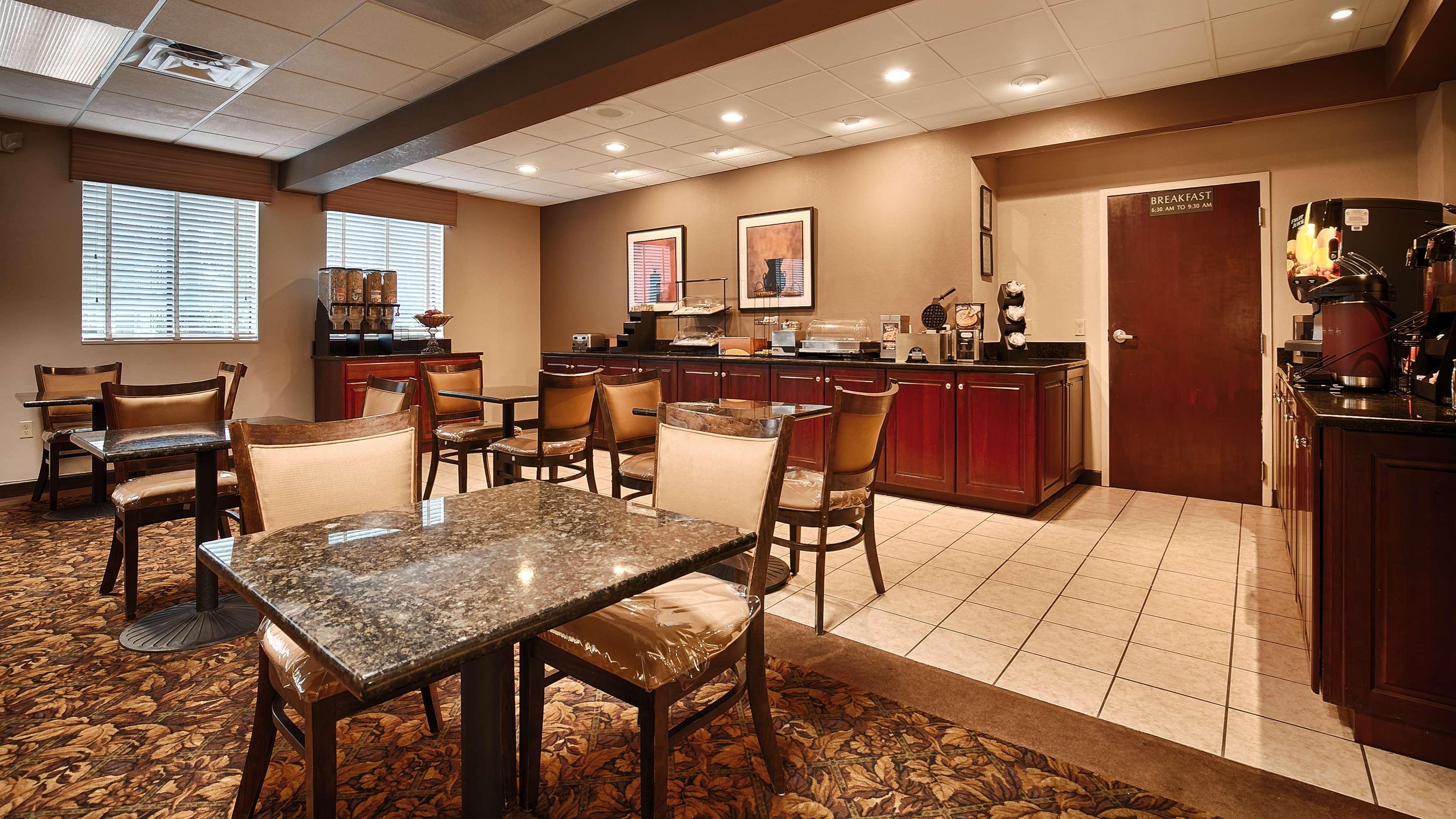 Best Western Plus Oak Mountain Inn image 20