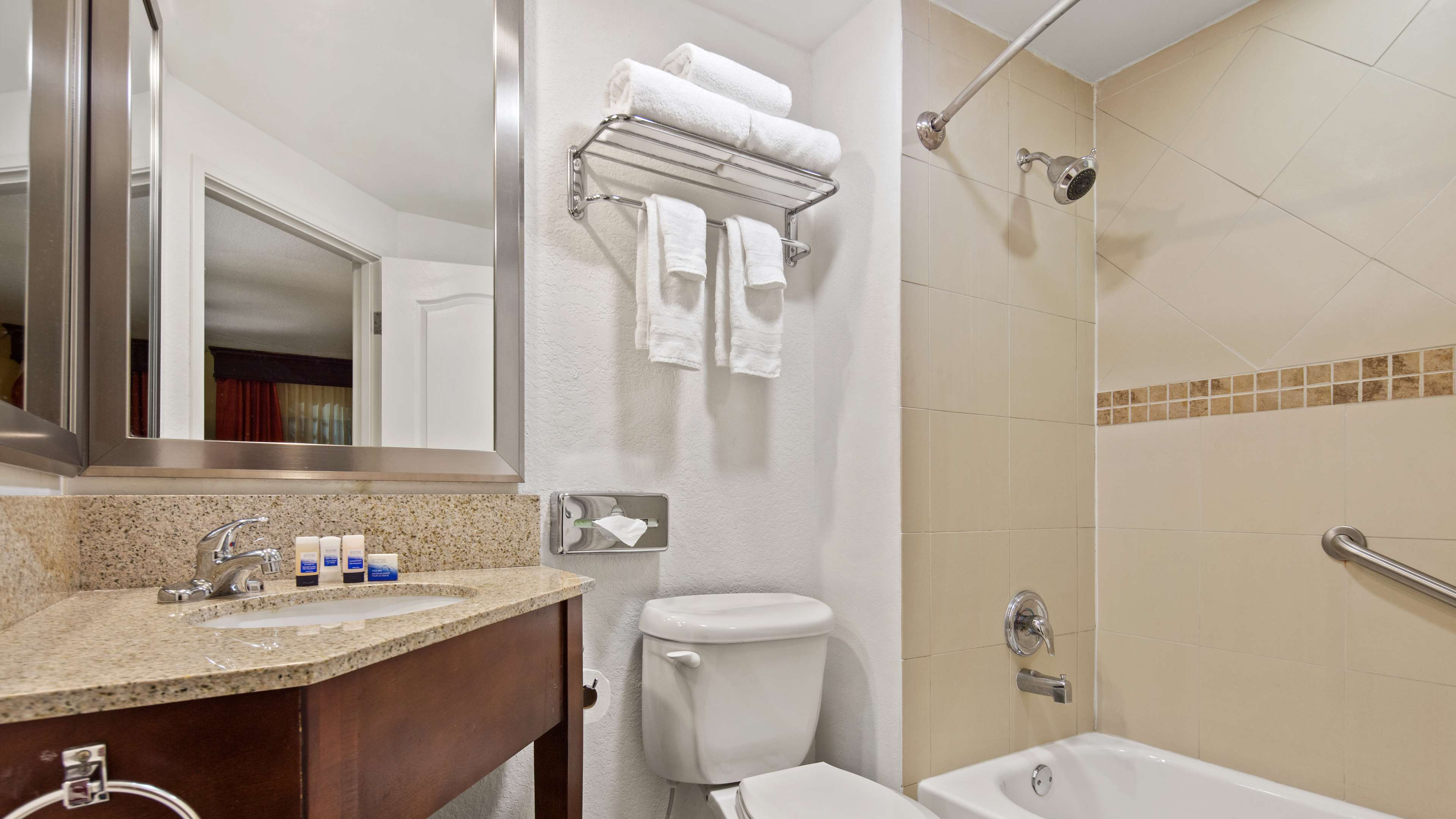Best Western Plus Palm Beach Gardens Hotel & Suites and Conference Ct image 8