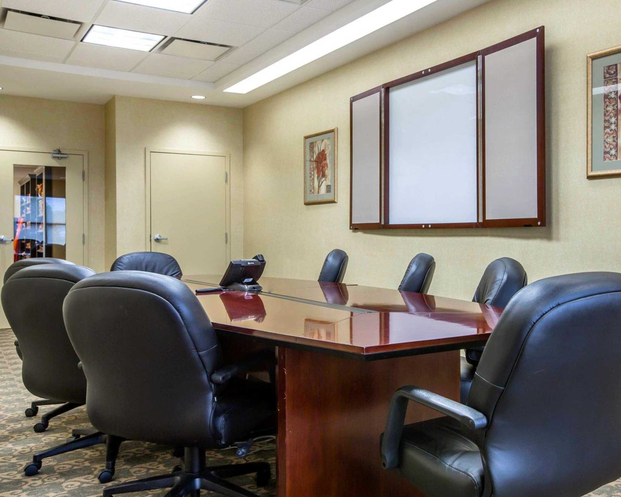 Comfort Inn & Suites adj to Akwesasne Mohawk Casino image 33