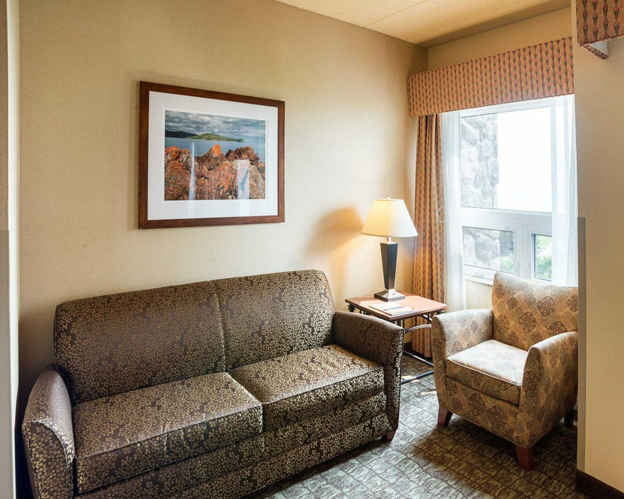 Comfort Suites Canal Park image 12