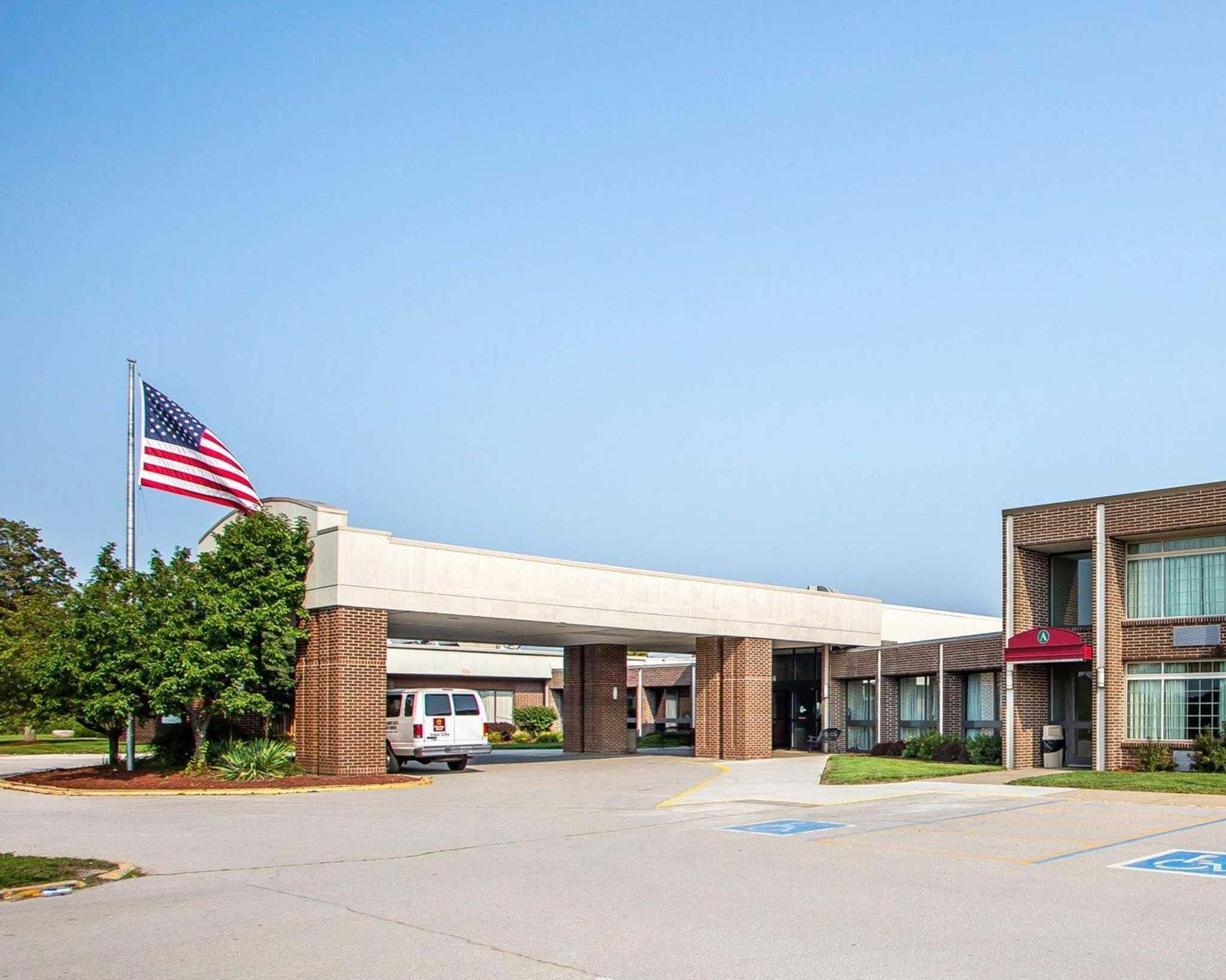 Clarion Hotel Highlander Conference Center image 1