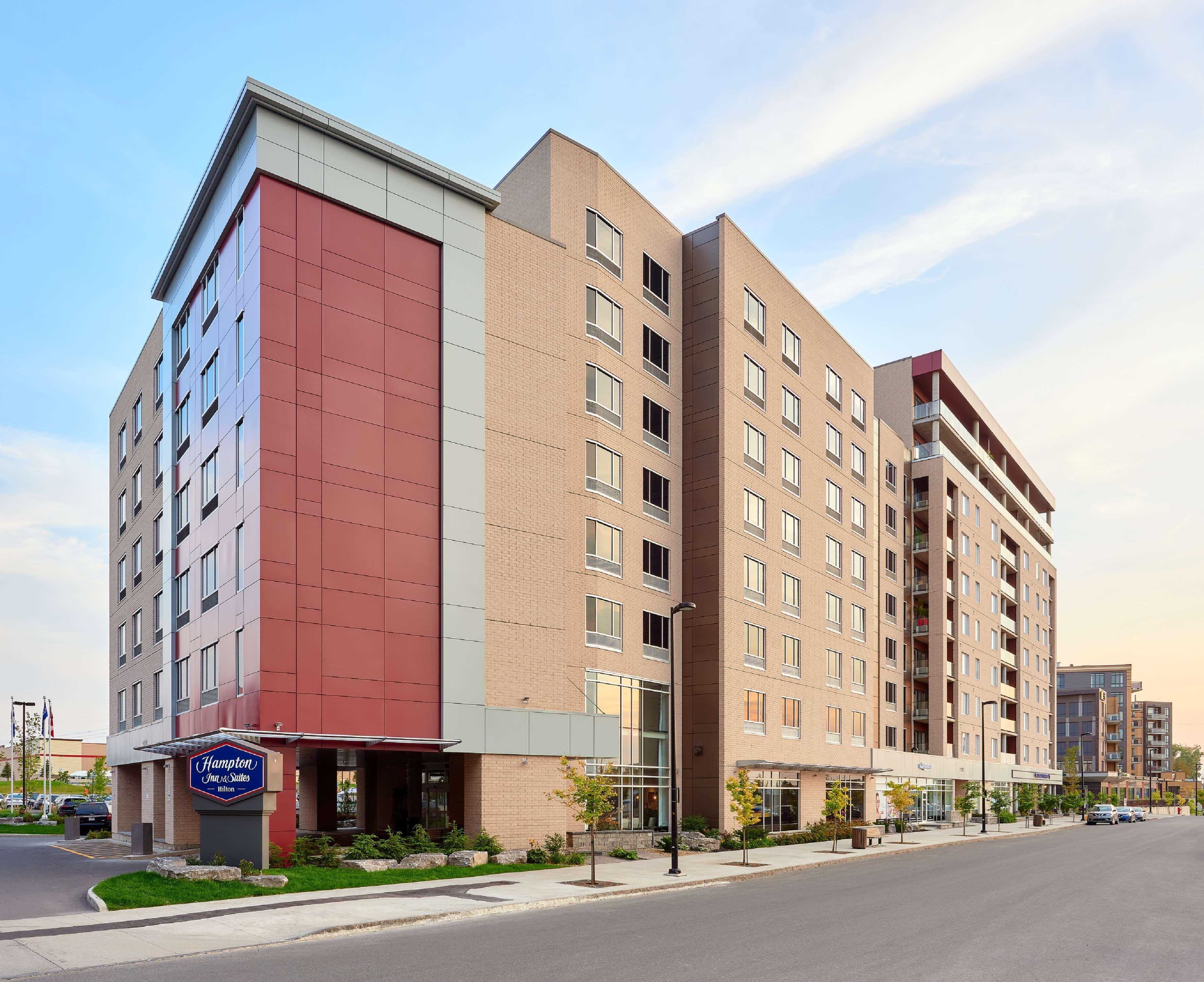 Hampton Inn & Suites by Hilton Quebec City /Saint-Romuald