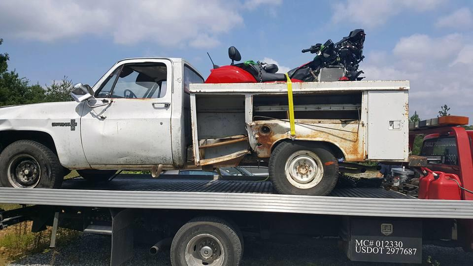 Family Towing N Collision image 1
