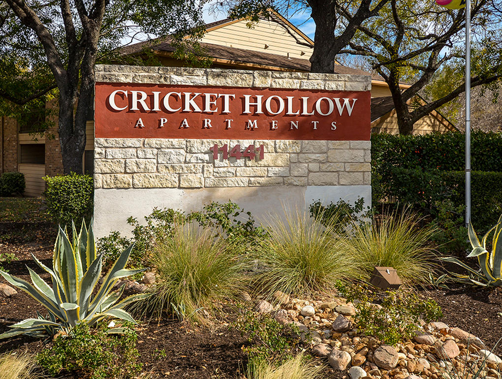 Cricket Hollow Apartments