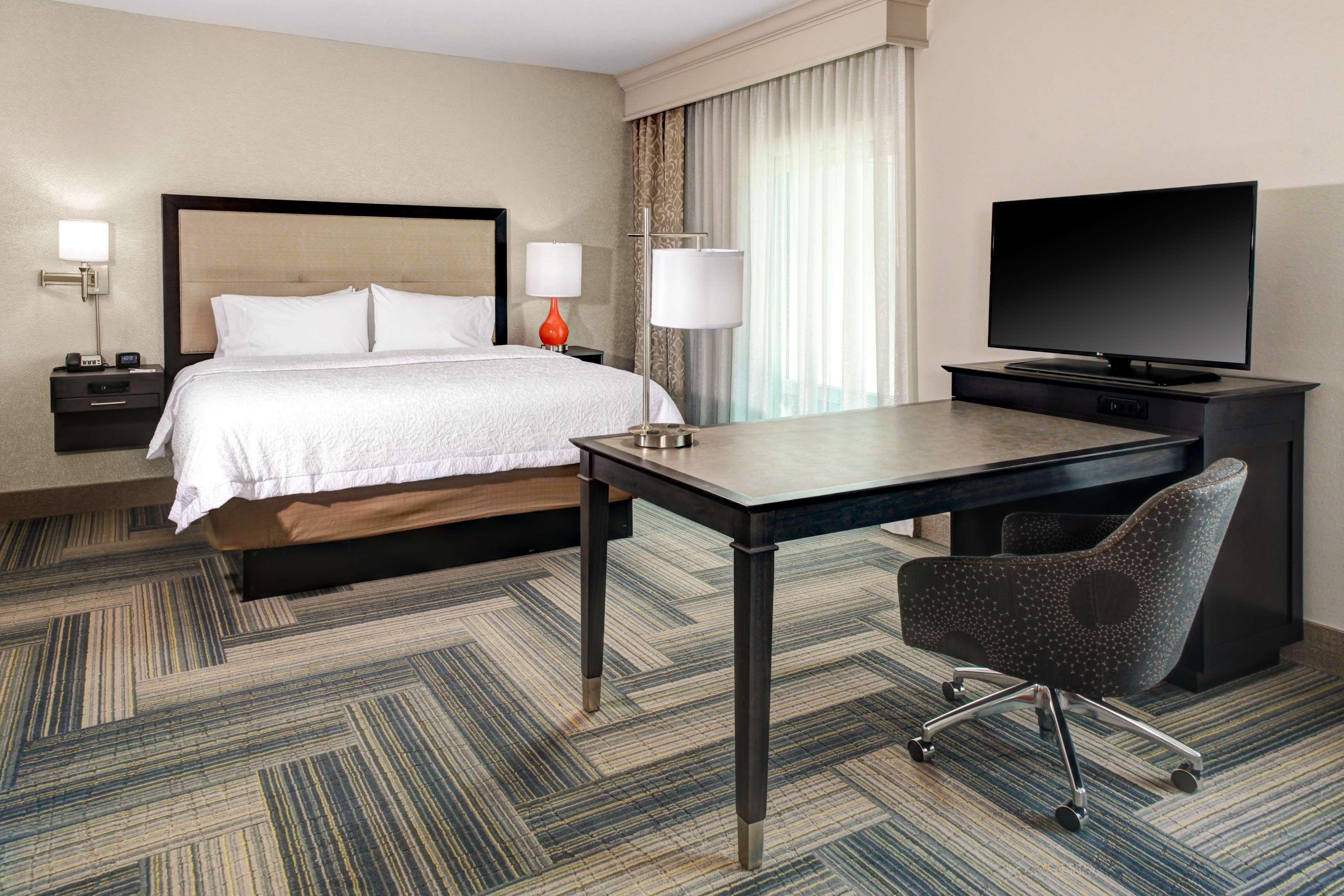 Hampton Inn & Suites by Hilton Atlanta Perimeter Dunwoody image 10