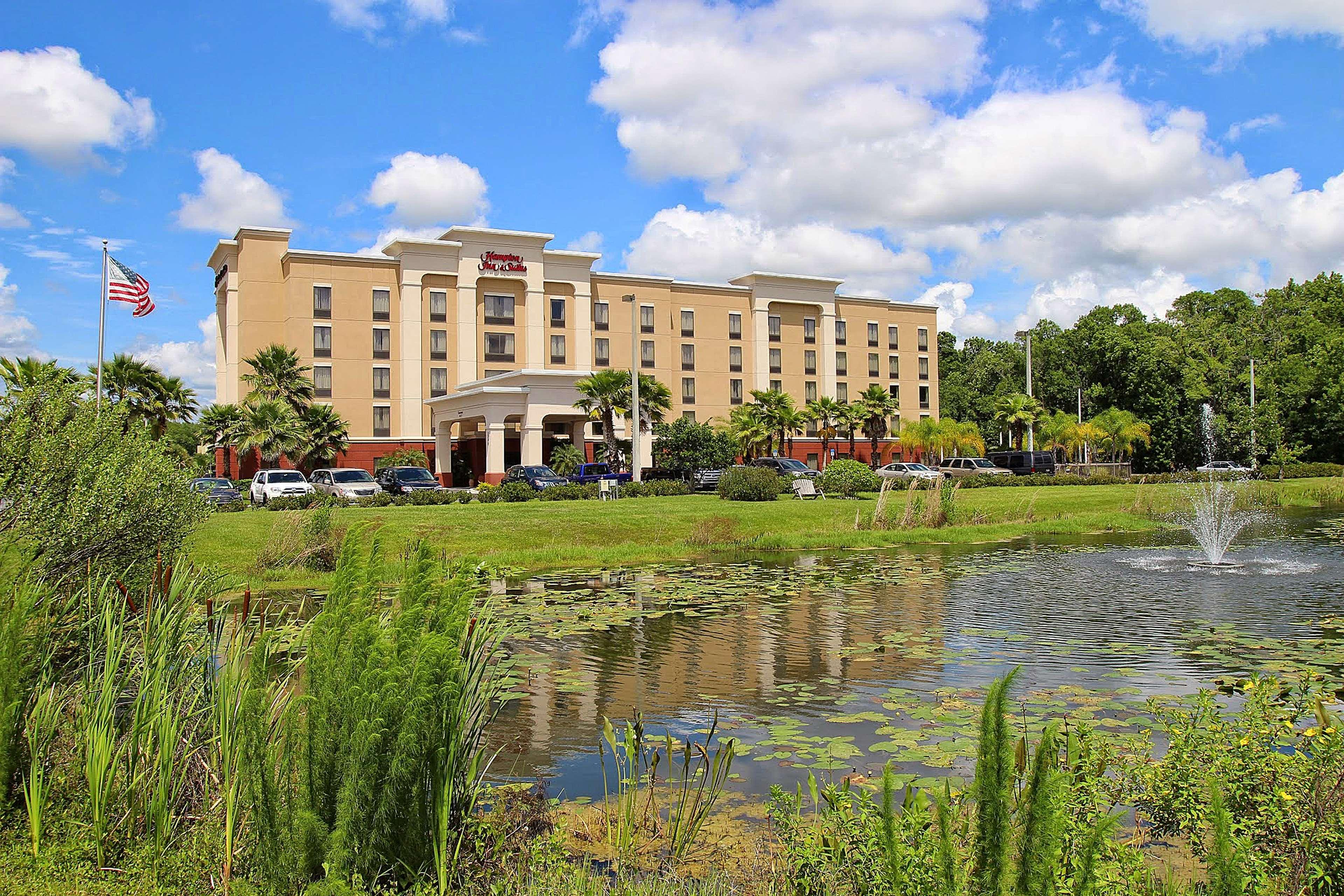 Hampton Inn & Suites Tampa-Wesley Chapel image 4