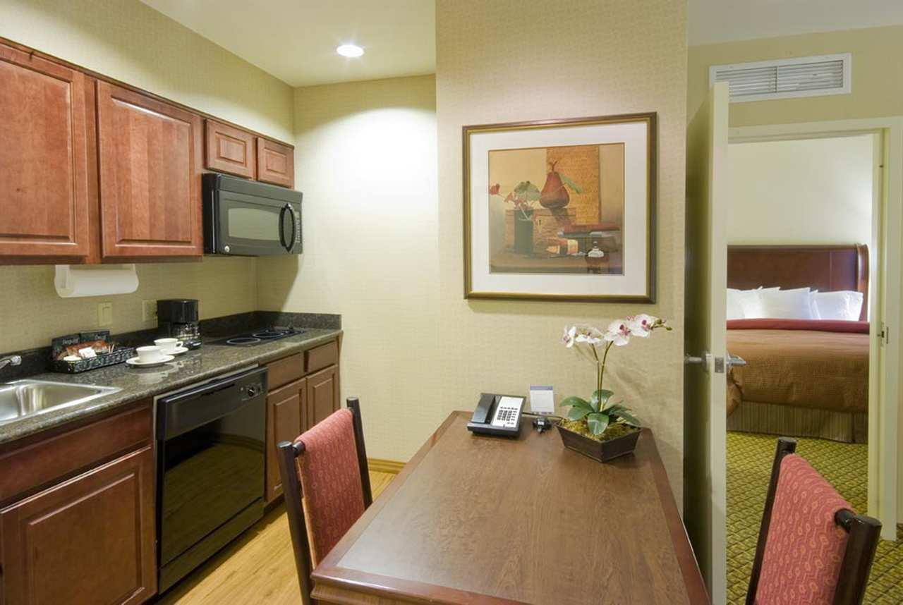 Homewood Suites by Hilton Miami - Airport West image 8