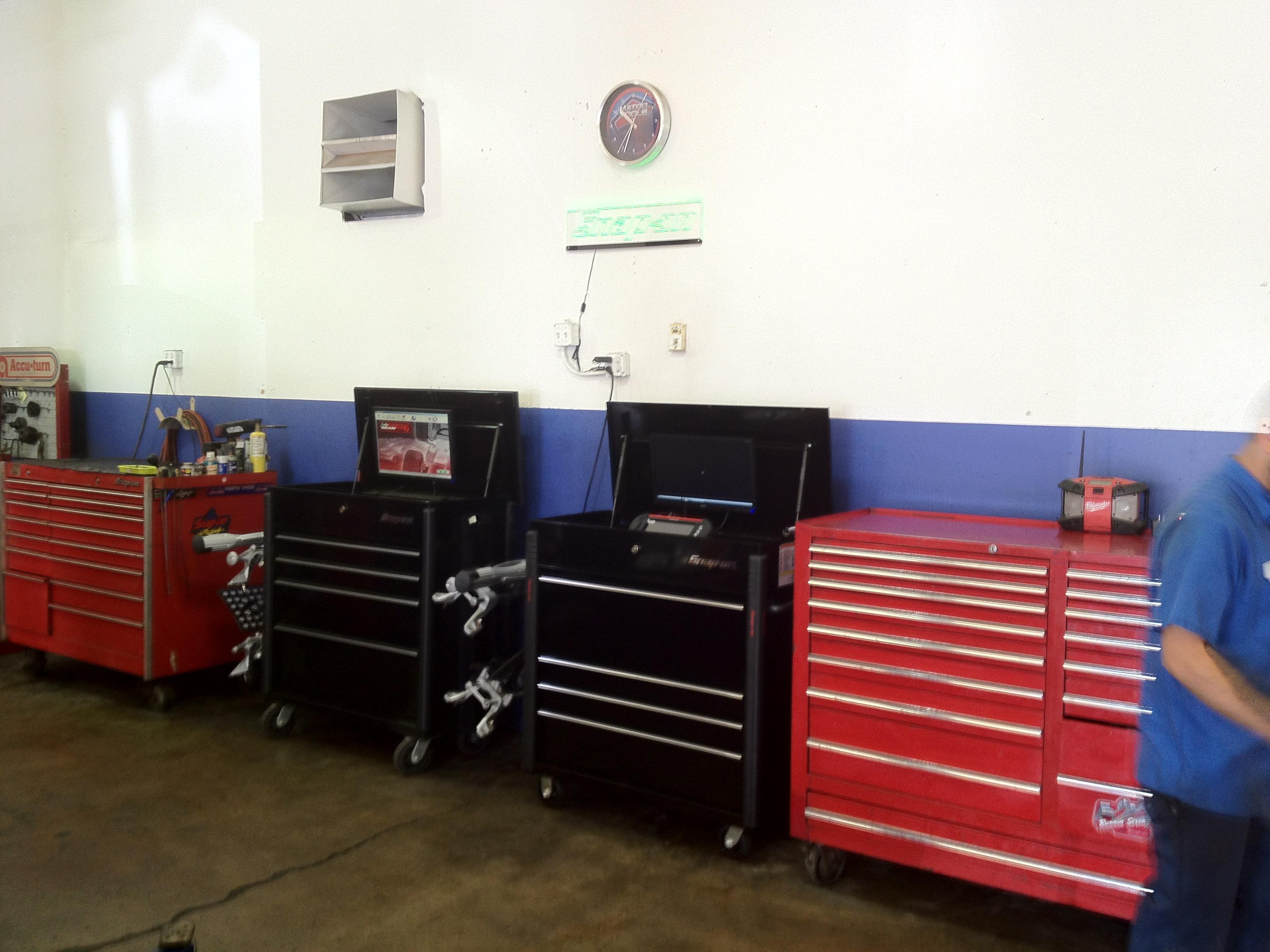 Mustang Auto Repair & Rv Storage image 0