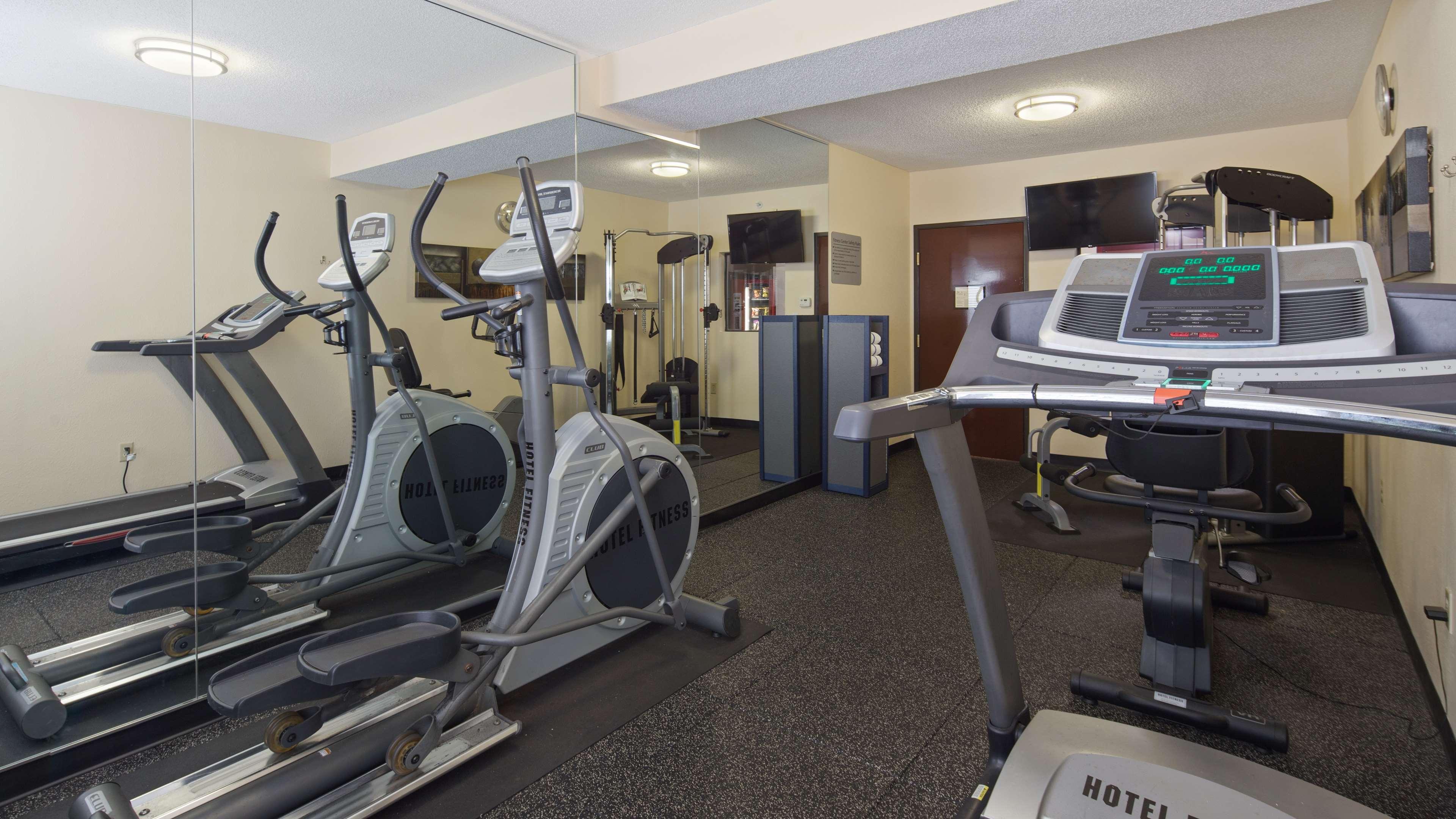 Best Western Plus Huntersville Inn & Suites Near Lake Norman image 6