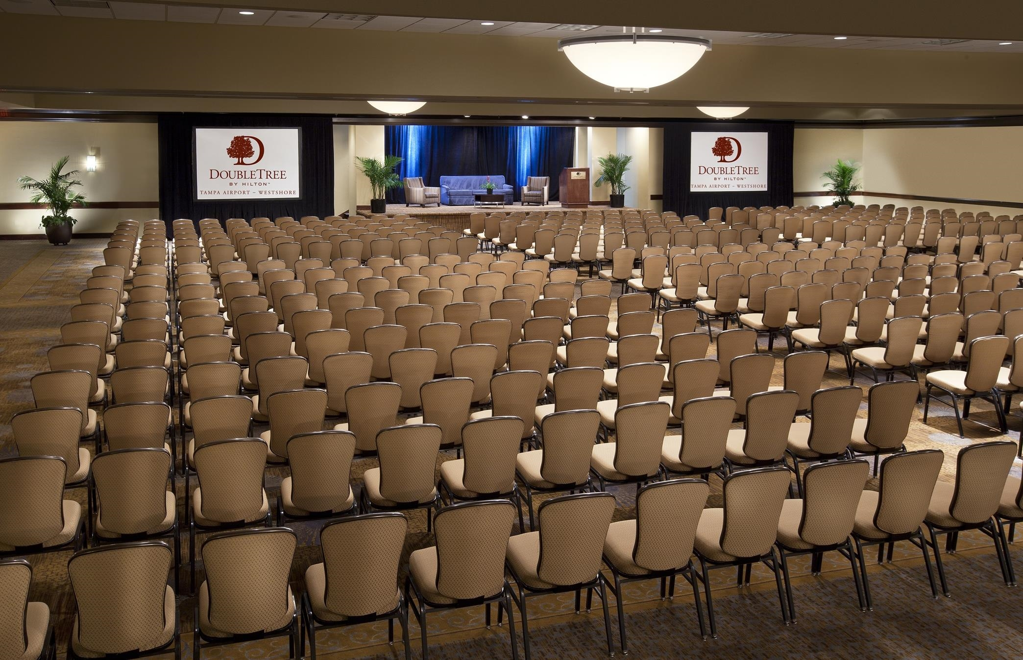 DoubleTree by Hilton Hotel Tampa Airport - Westshore image 9