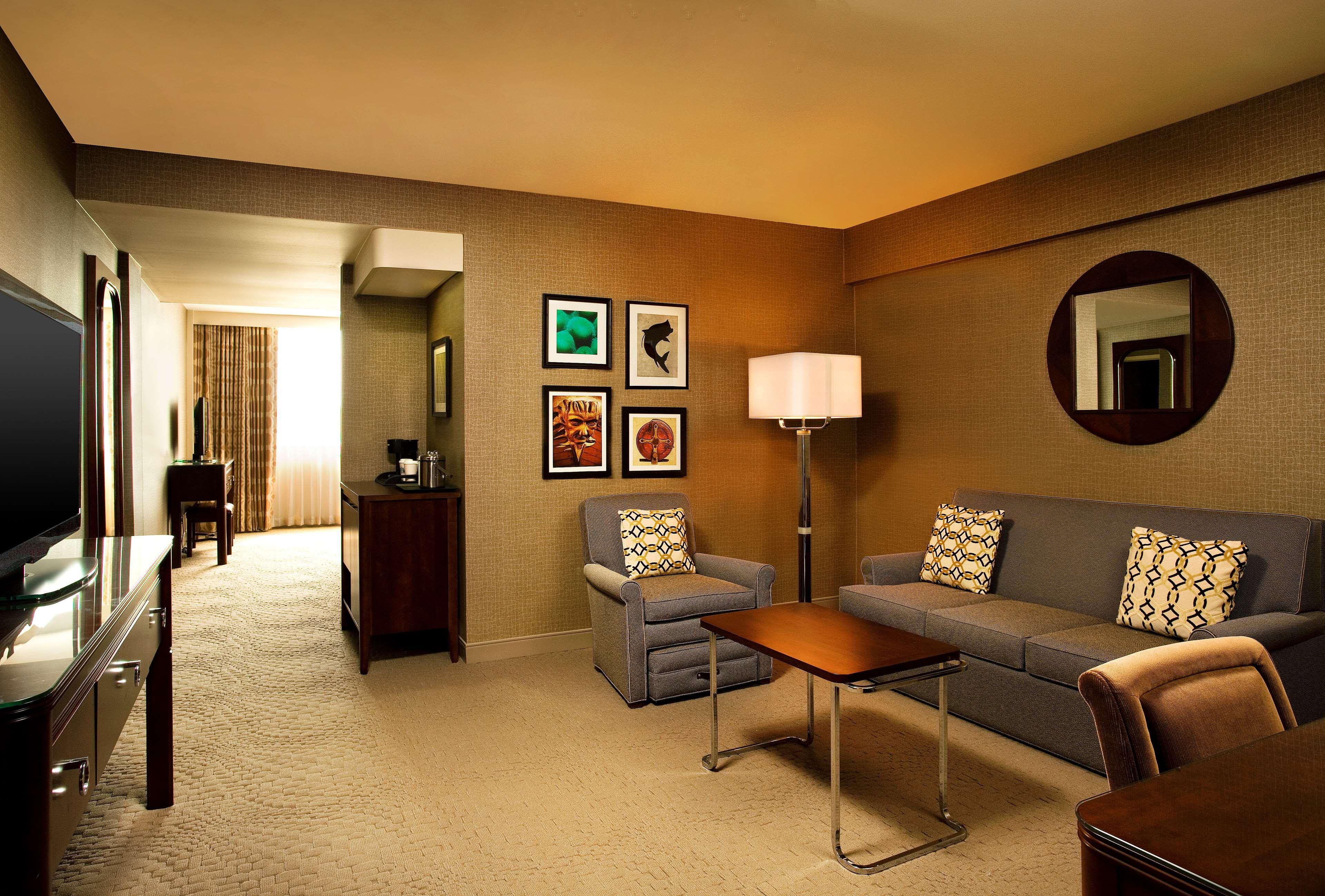 Sheraton Tampa Brandon Hotel image 4