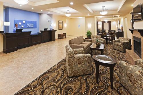 Holiday Inn Express & Suites Oklahoma City Nw-Quail Springs image 2
