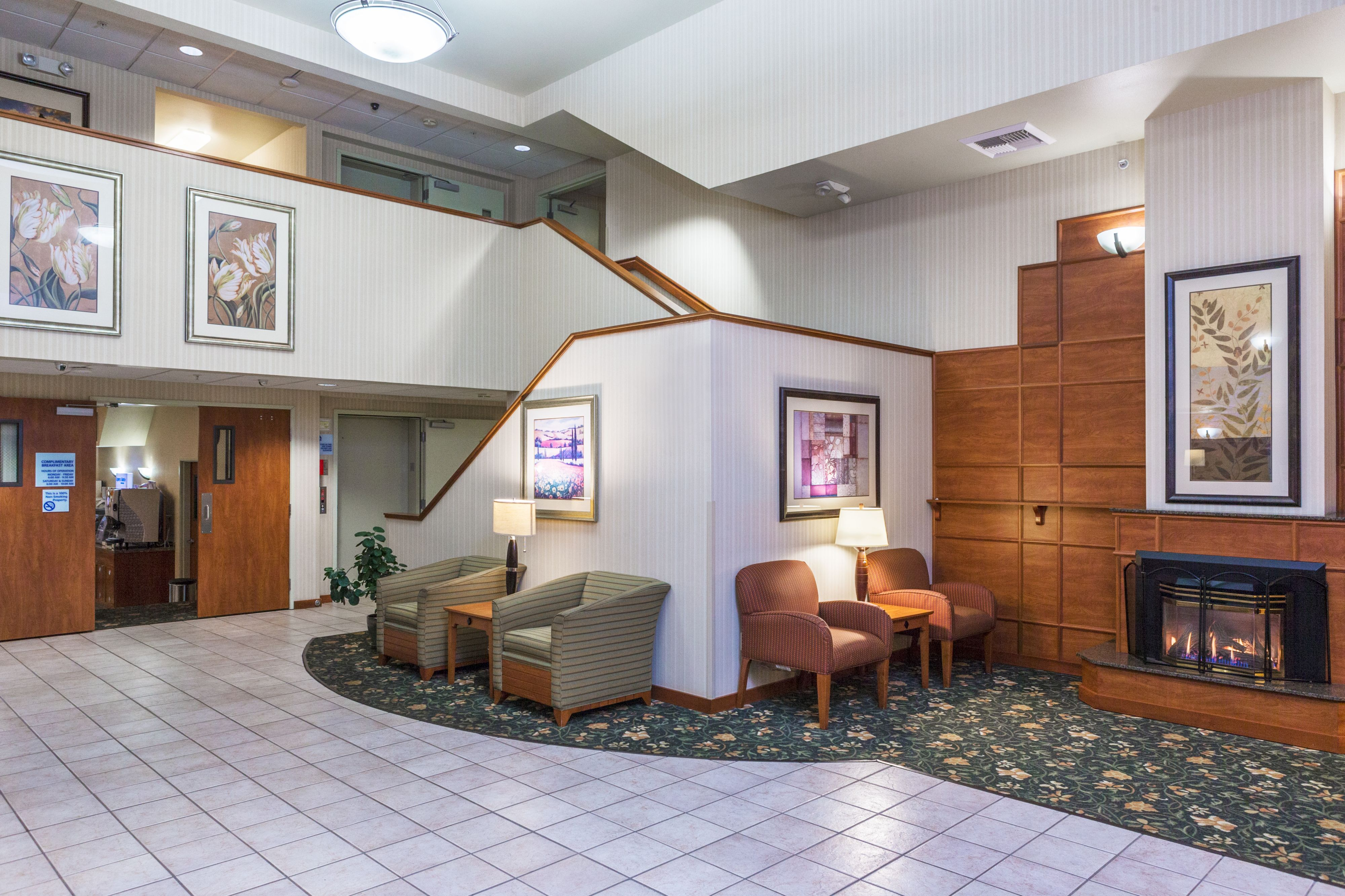 Holiday Inn Express & Suites Burlington image 6