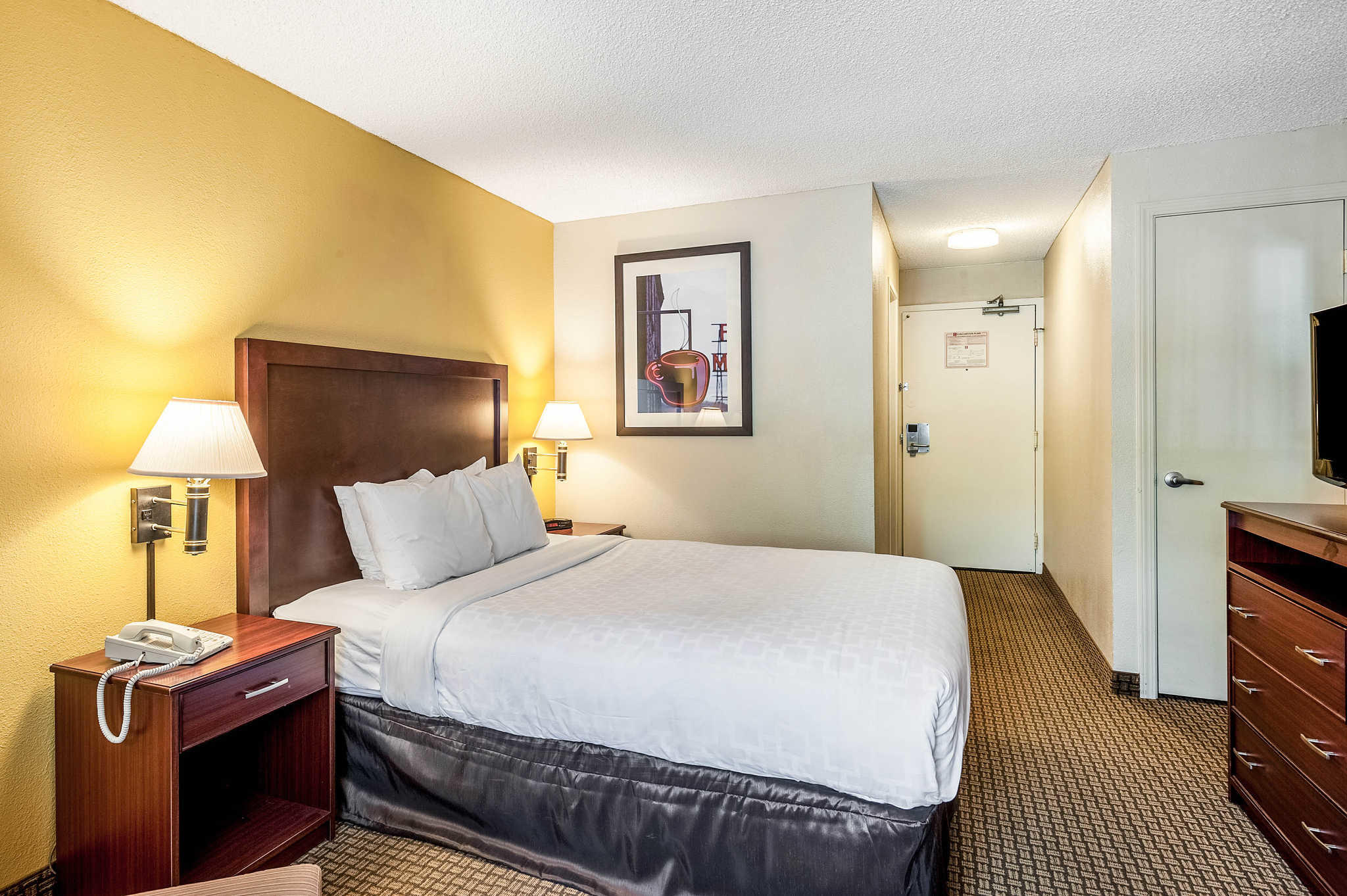Clarion Hotel Seattle Airport image 8