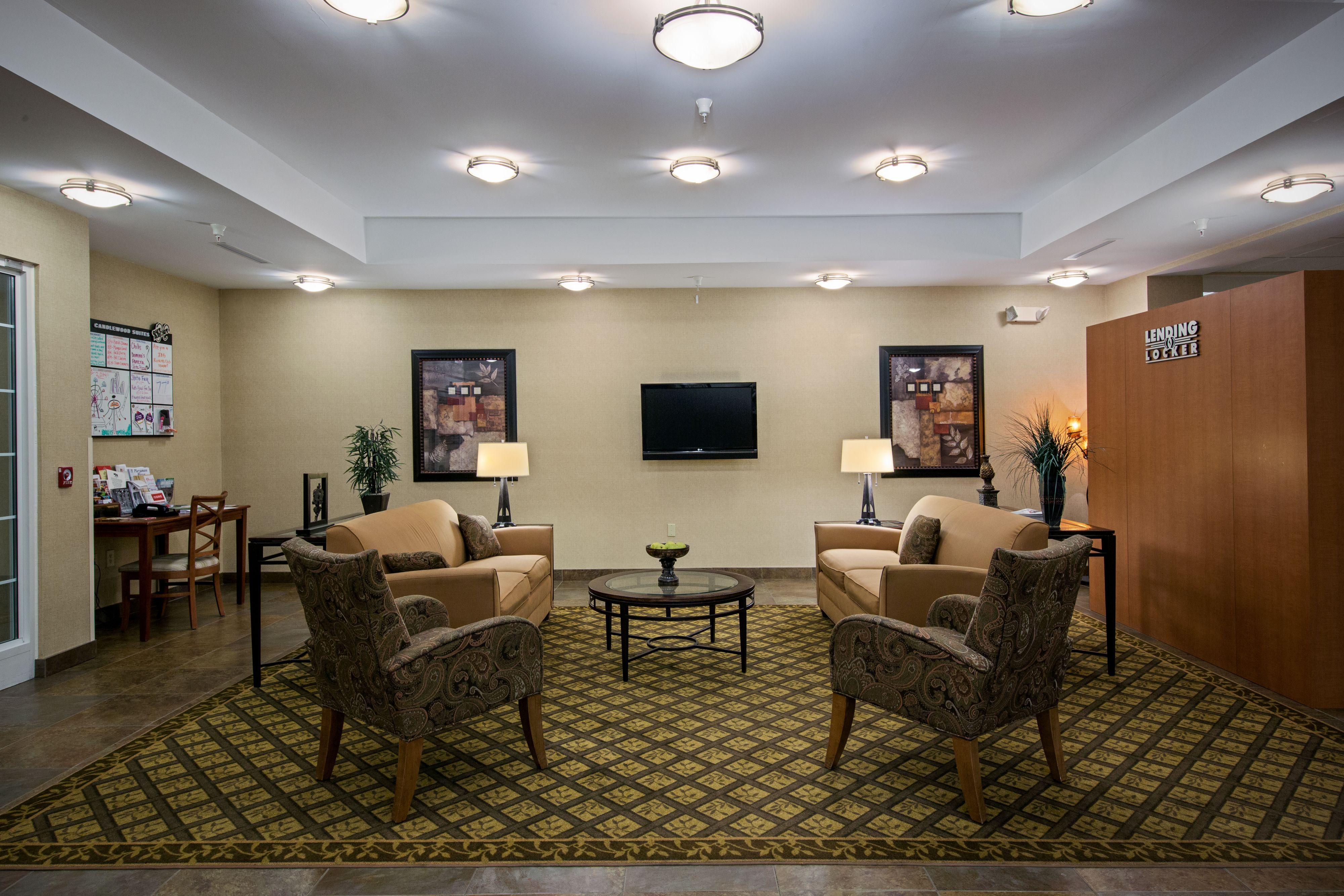 Candlewood Suites Indianapolis Northwest image 3