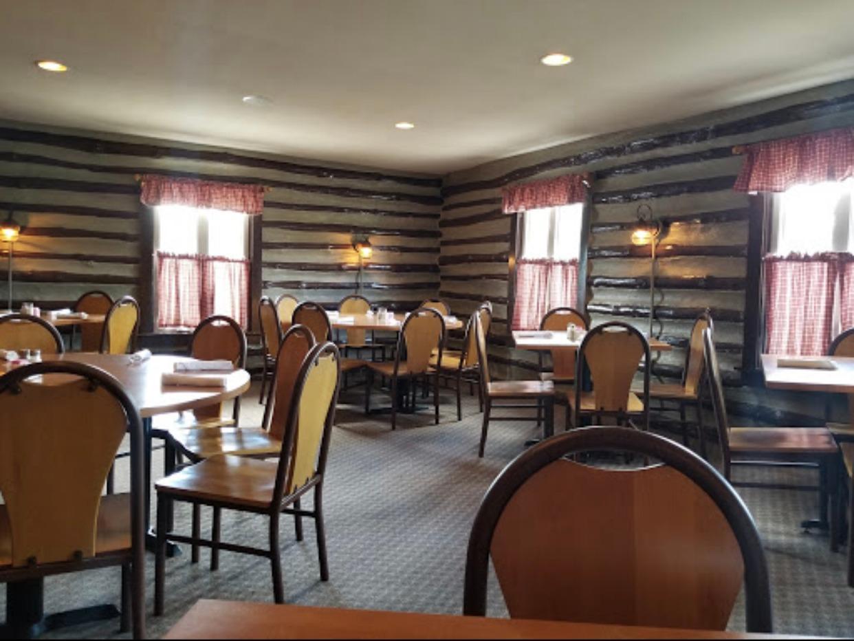 Jimmy Joy's Log Cabin Inn image 2