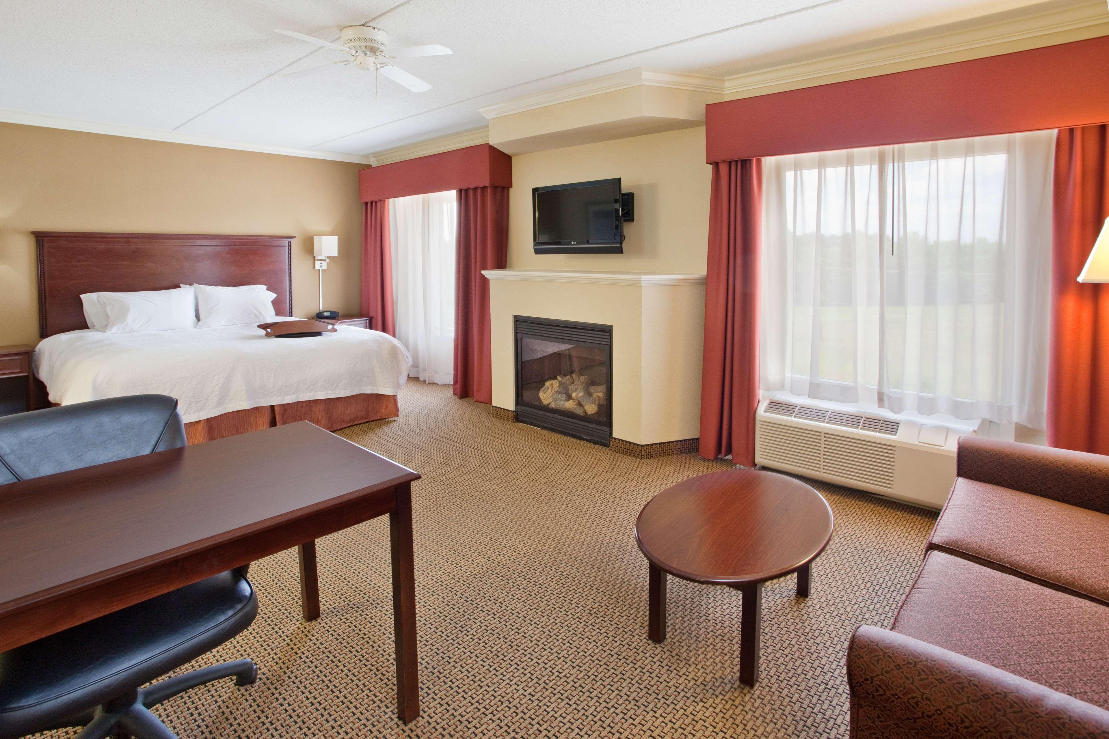 Hampton Inn & Suites Lanett-West Point image 44