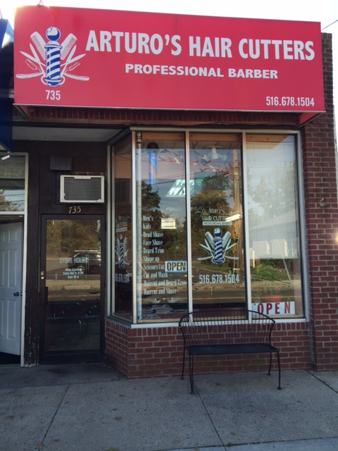 Arturo's Hair Cutters image 0