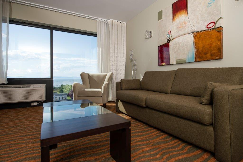 Best Western Plus Hotel Levesque à Riviere-du-Loup: Signature King Suite with River View and Sofa bed and Sofabed