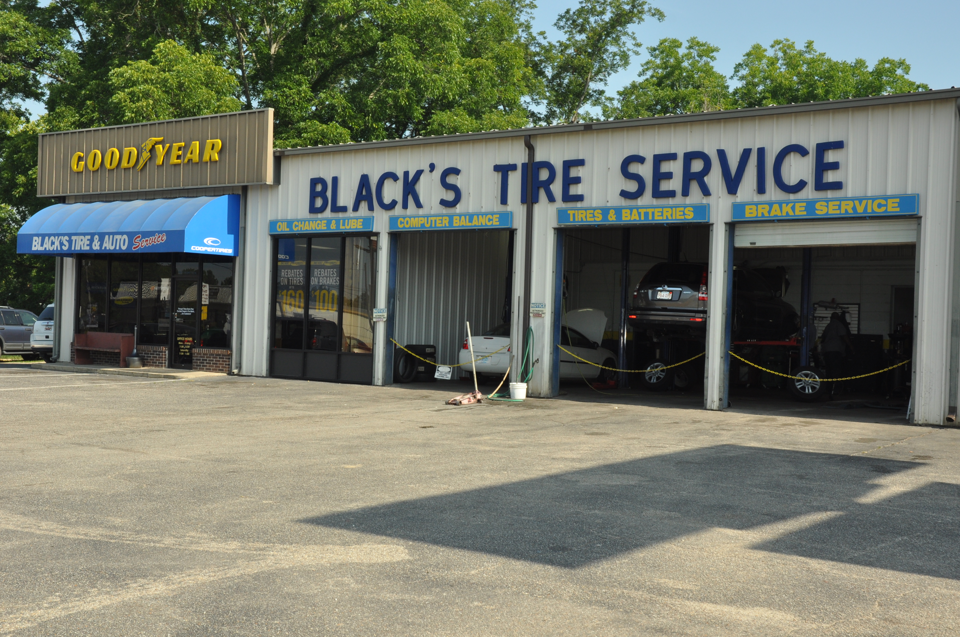 Black's Tire & Auto Services image 0