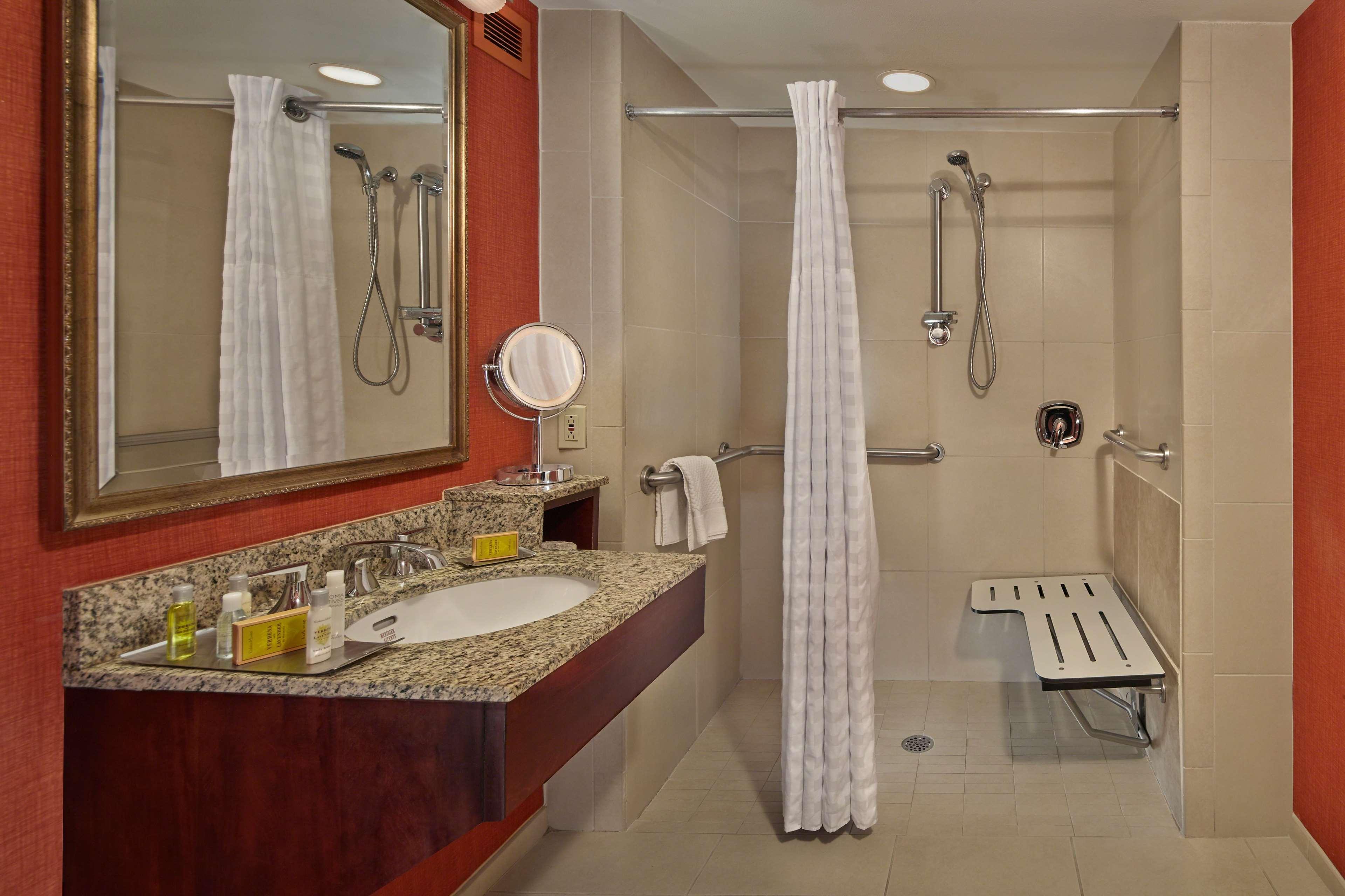 DoubleTree by Hilton Hotel Little Rock image 15