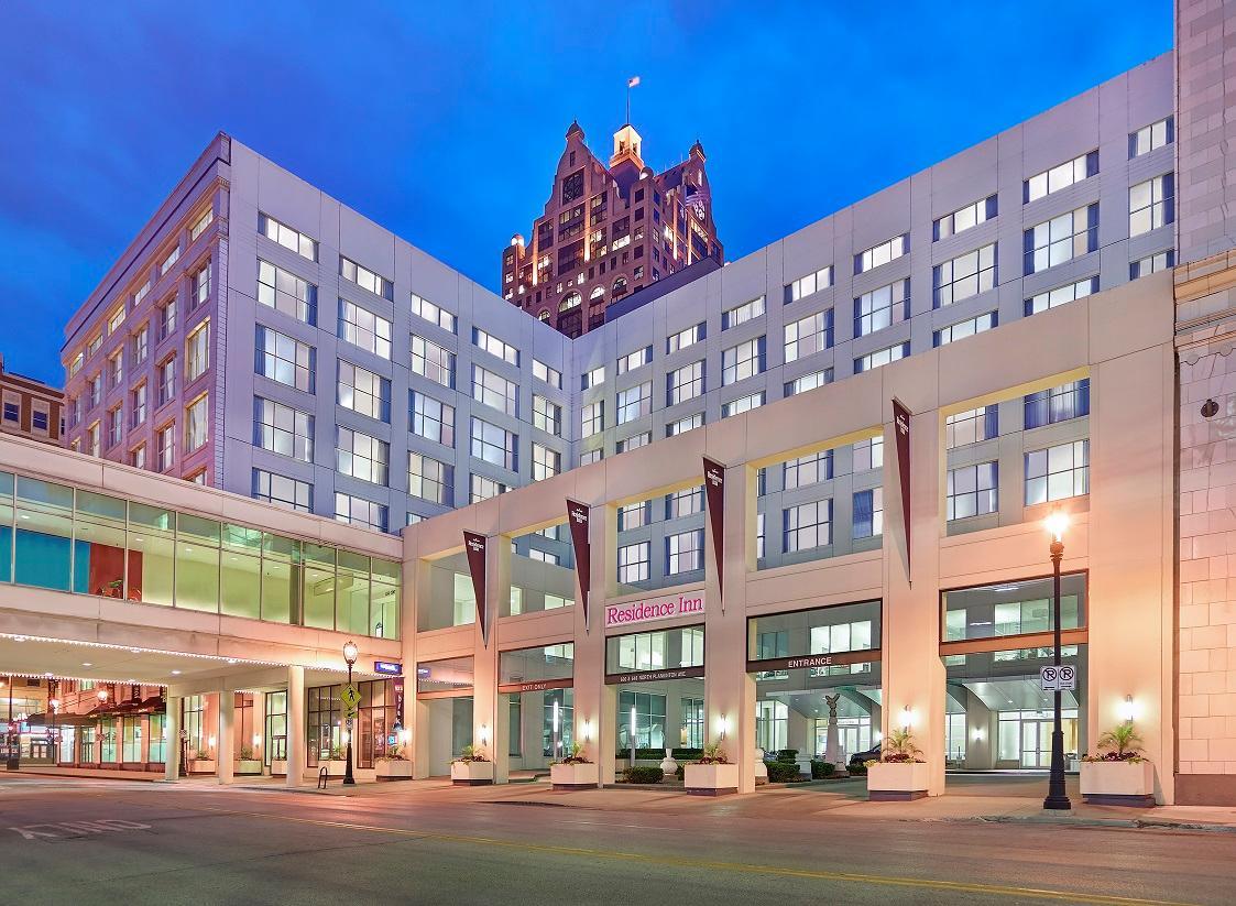 Residence Inn by Marriott Milwaukee Downtown image 4