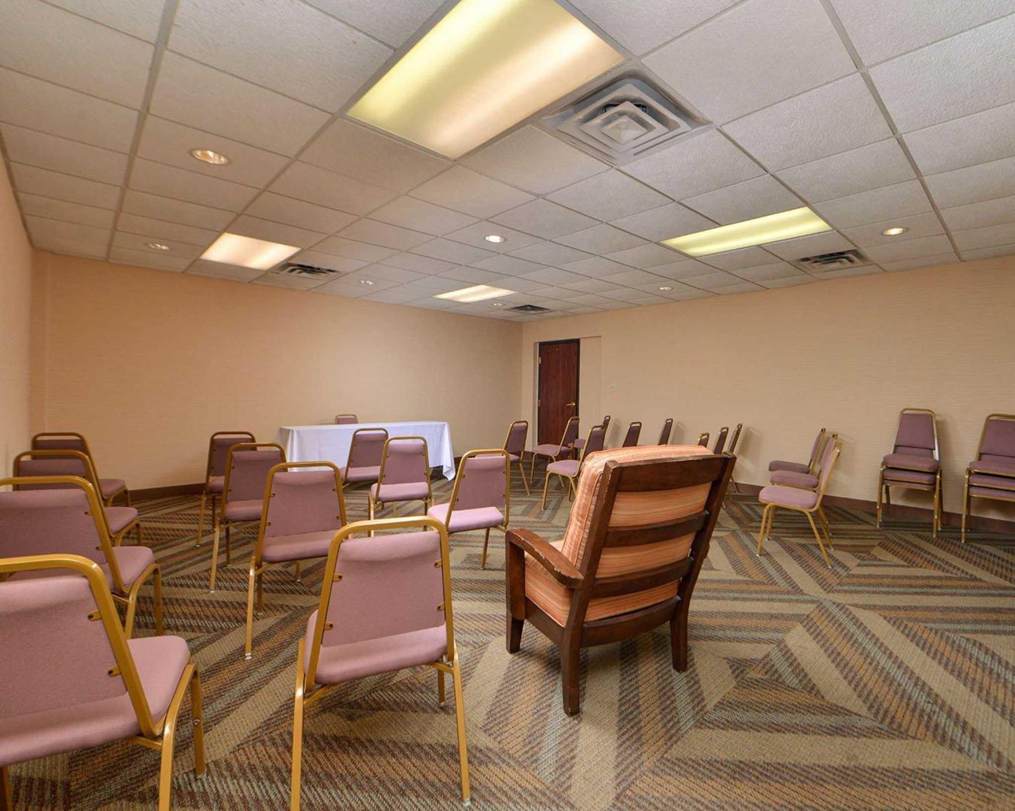 Quality Inn Oklahoma City Airport image 7
