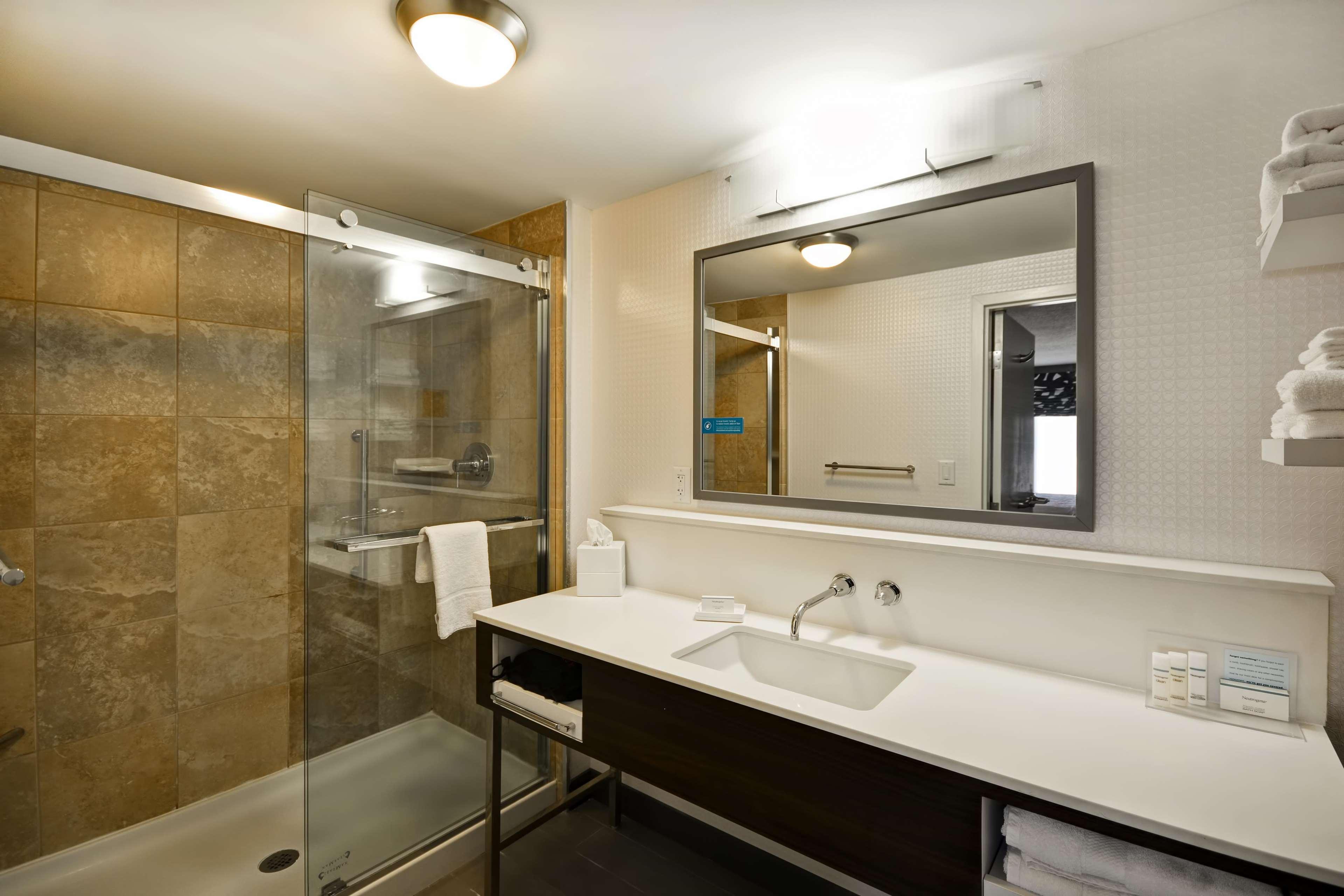 Hampton Inn & Suites Columbus-Easton Area image 42