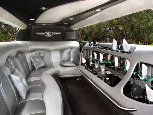 Lincoln on Demand Limousine and Sedan Service image 1