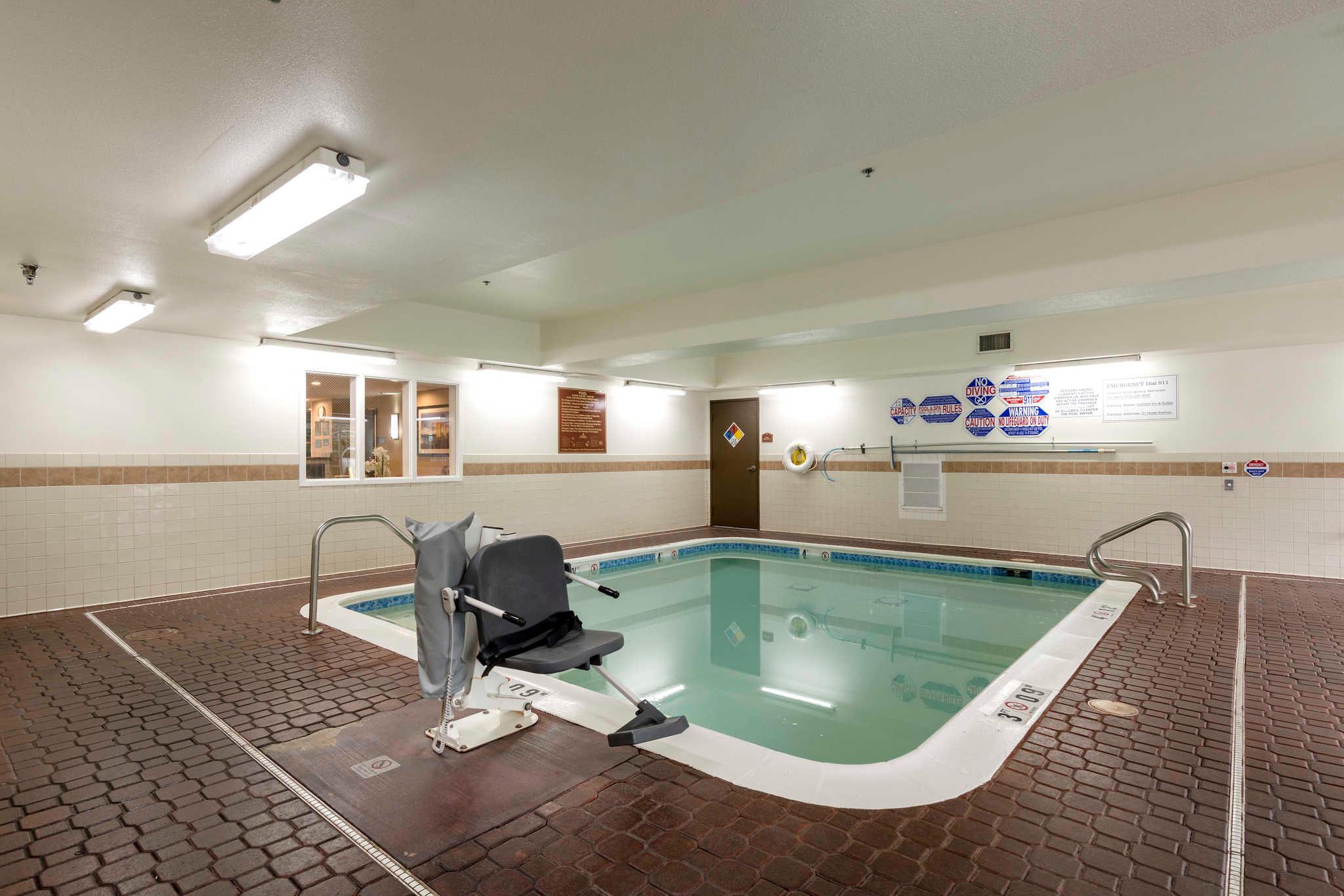 Comfort Inn & Suites Sacramento - University Area image 29