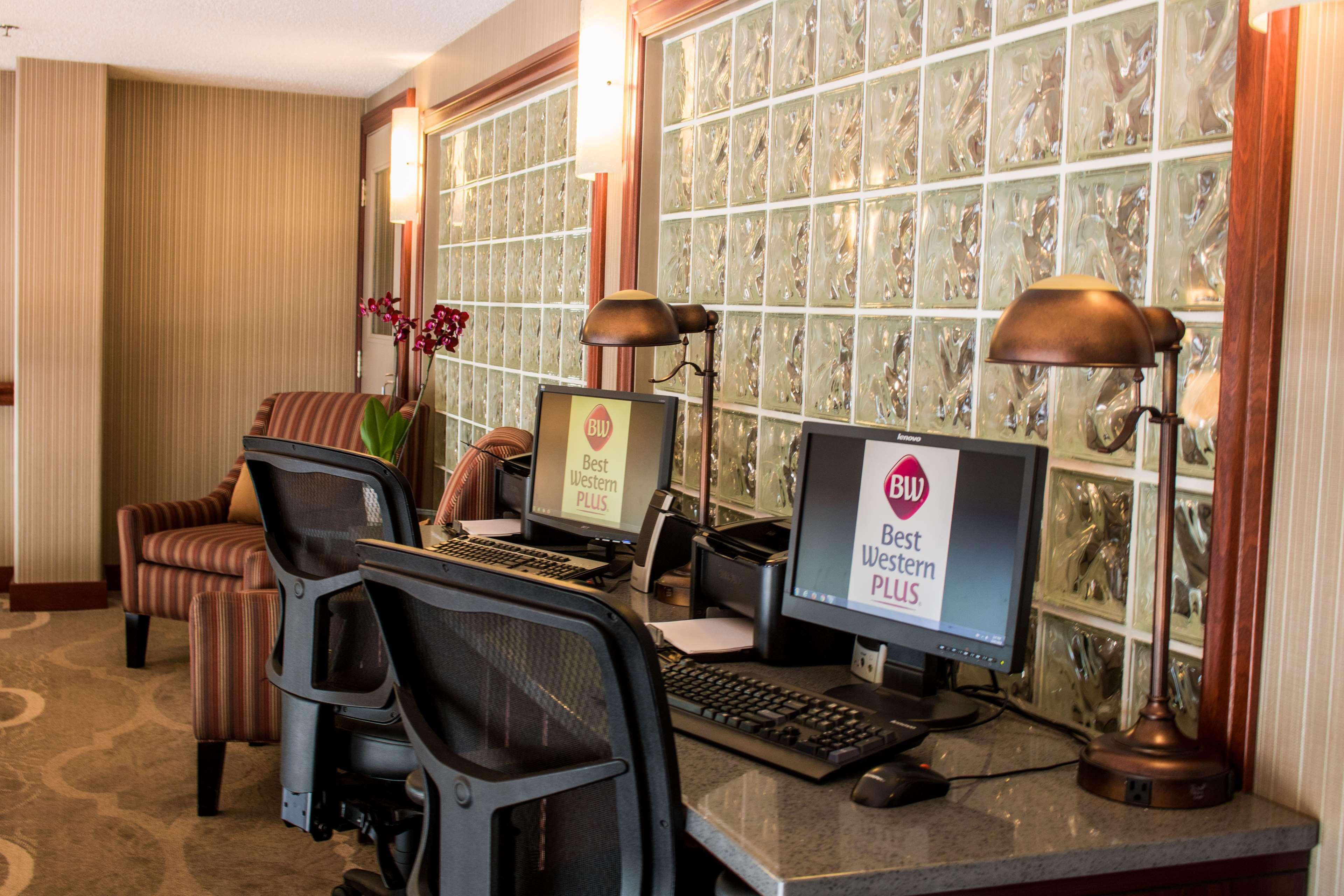 Best Western Plus Baker Street Inn & Convention Centre in Nelson: Business Center
