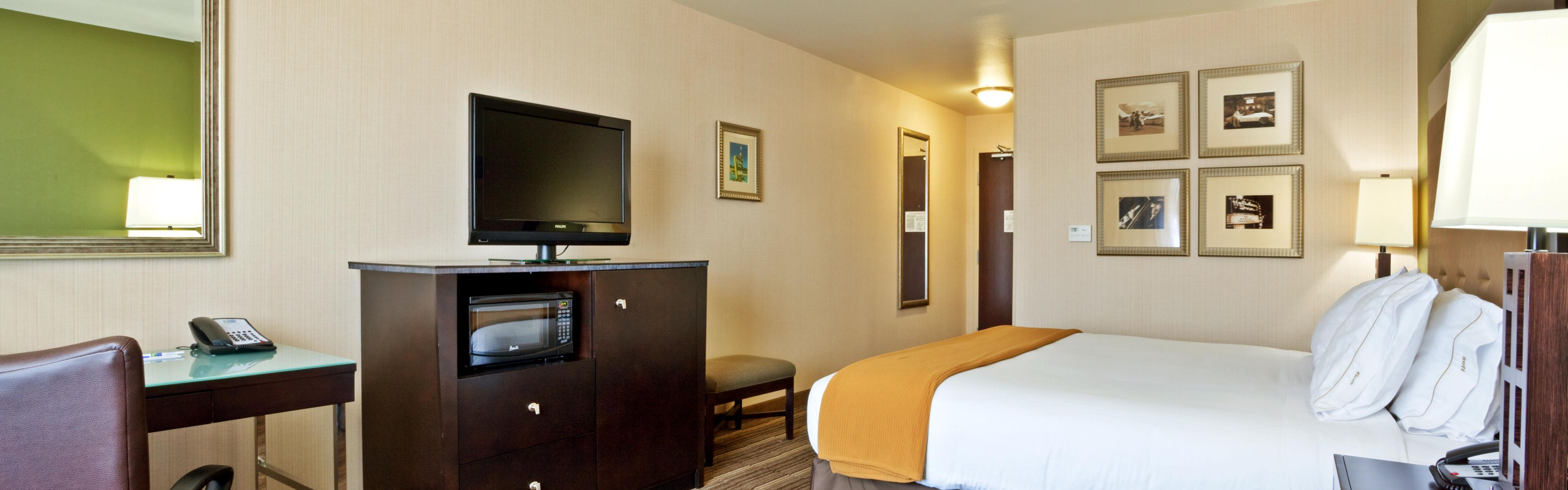 Holiday Inn Express & Suites Twin Falls image 1