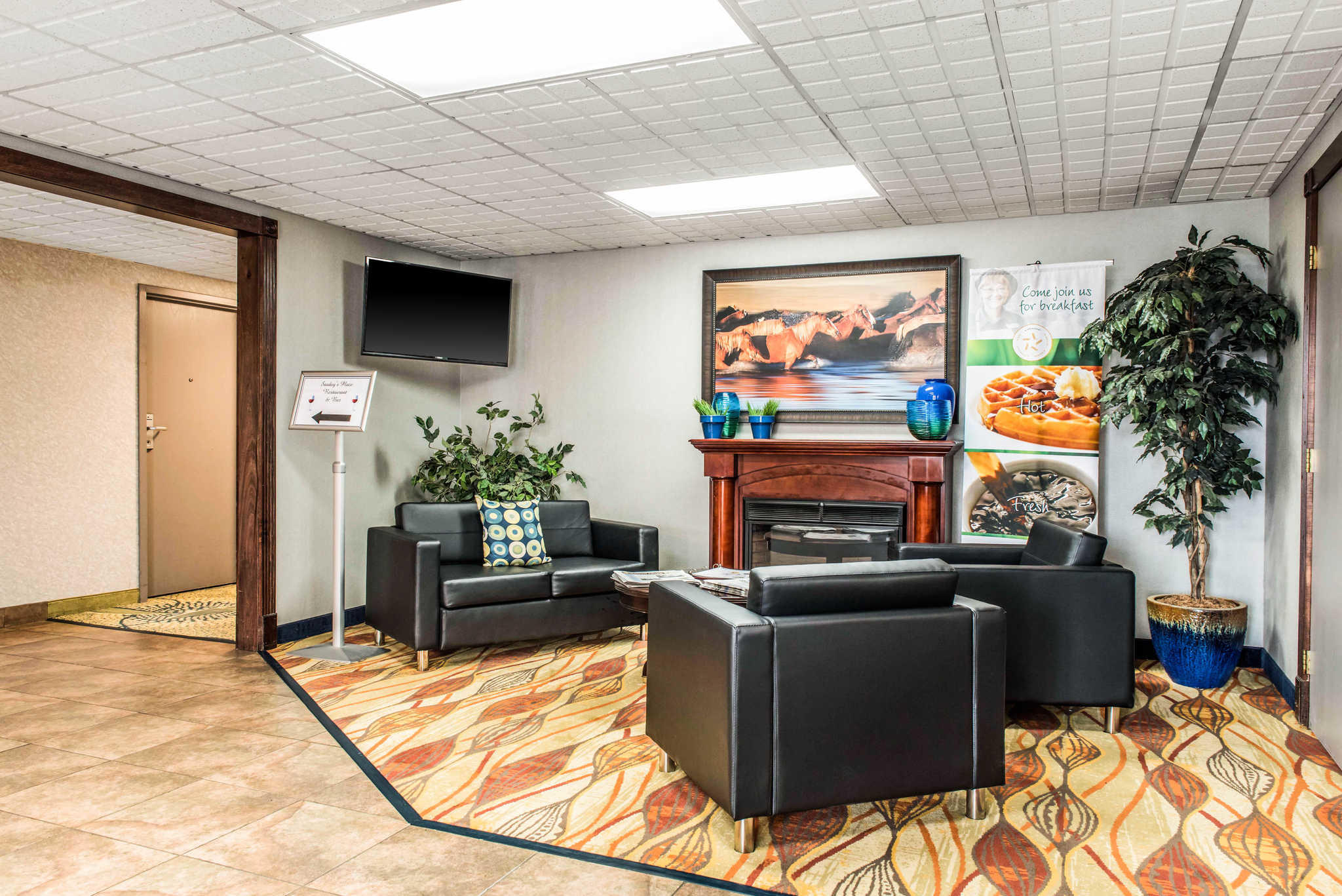 Quality Inn Austintown-Youngstown West image 5