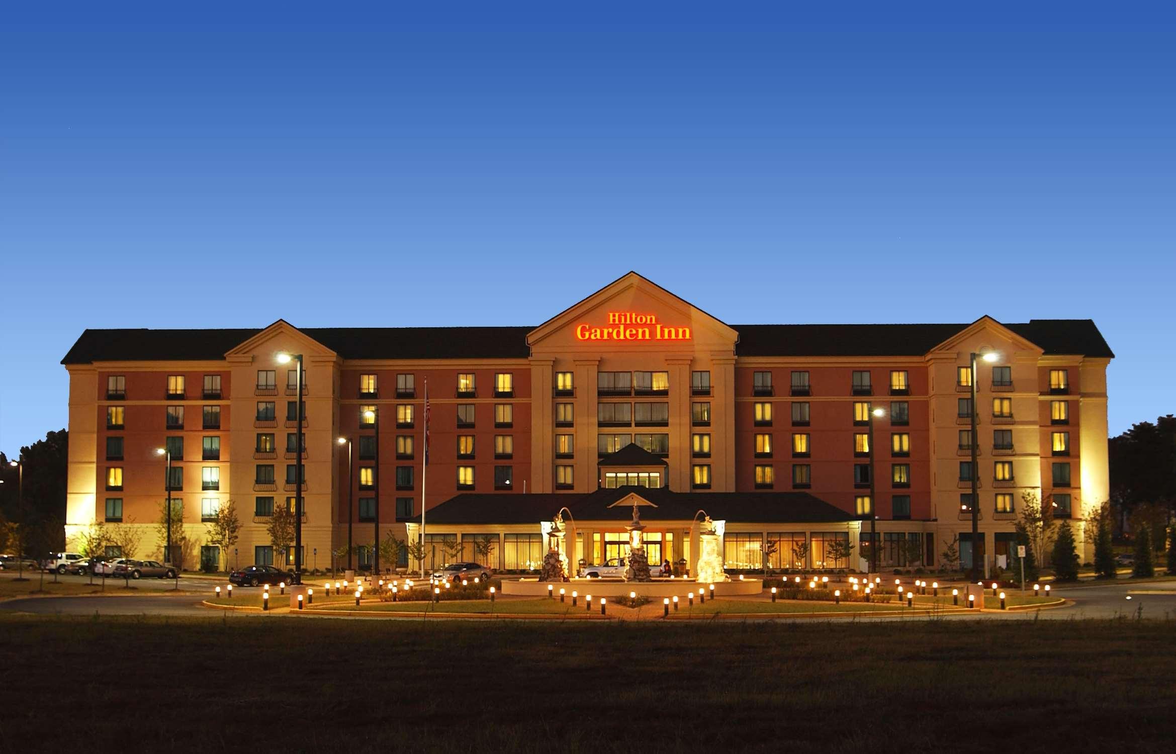 Hilton Garden Inn Atlanta Airport/Millenium Center image 1