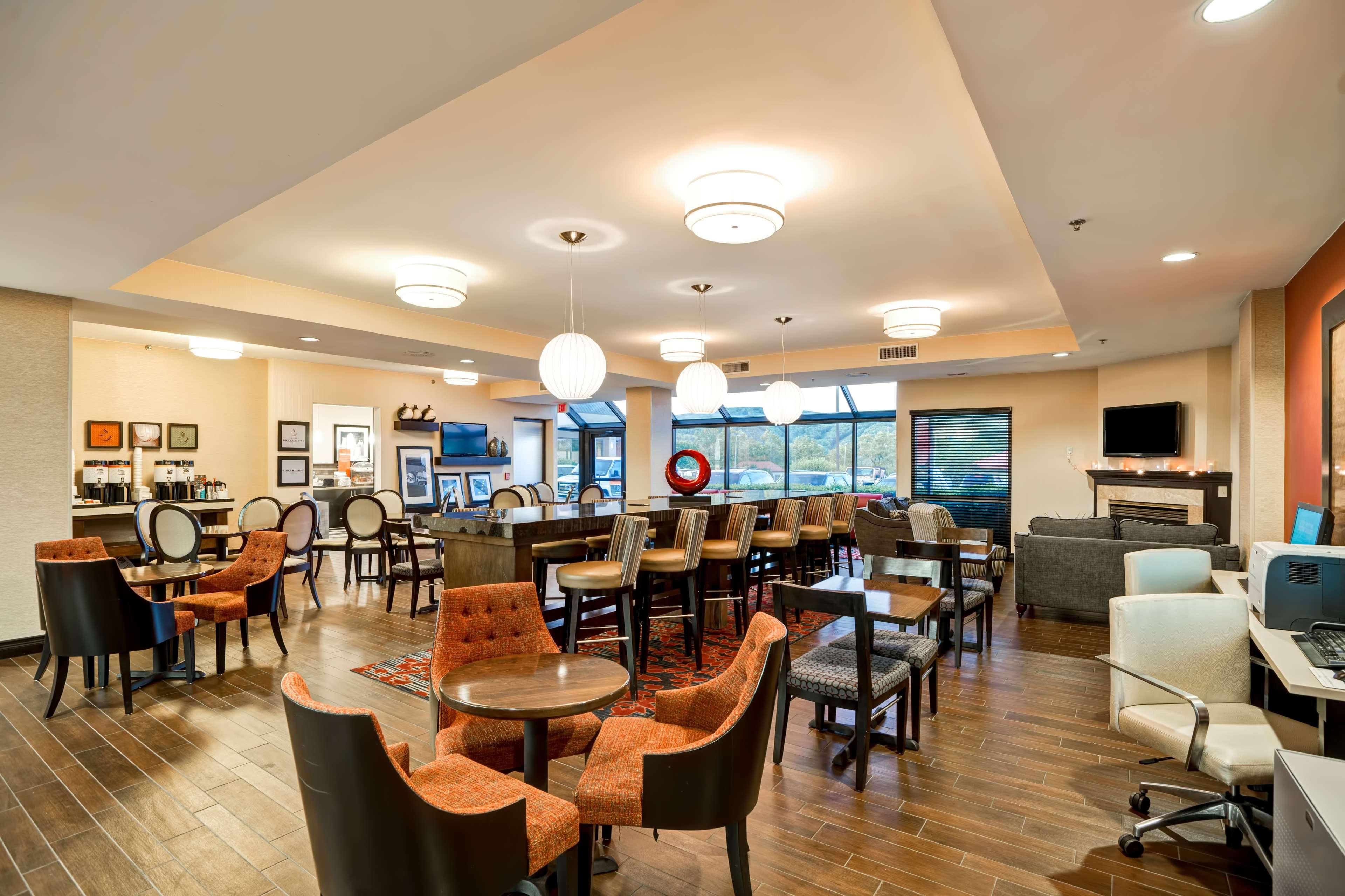 Hampton Inn Scranton At Montage Mountain image 4