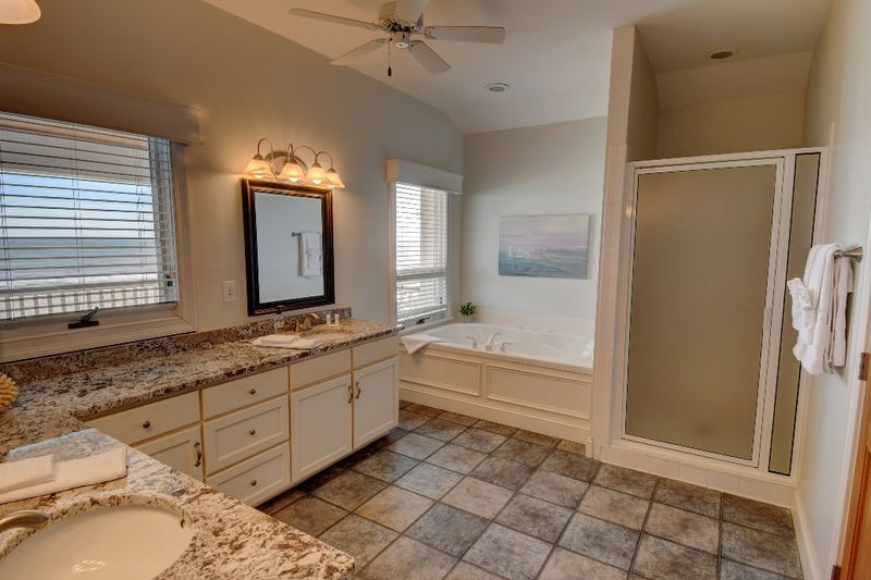 Isle of Palms Vacation Rentals by Exclusive Properties image 45