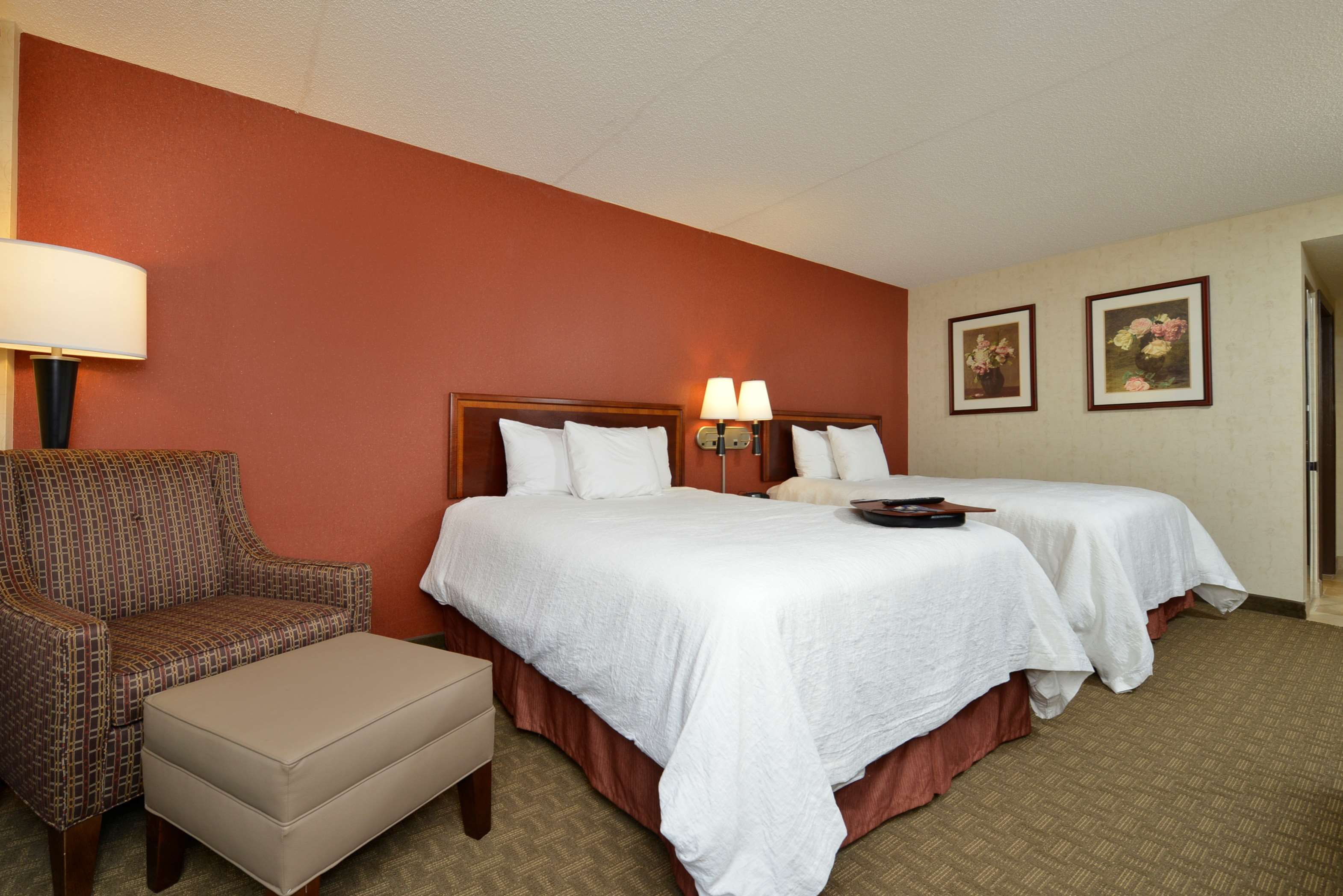 Hampton Inn East Aurora image 40