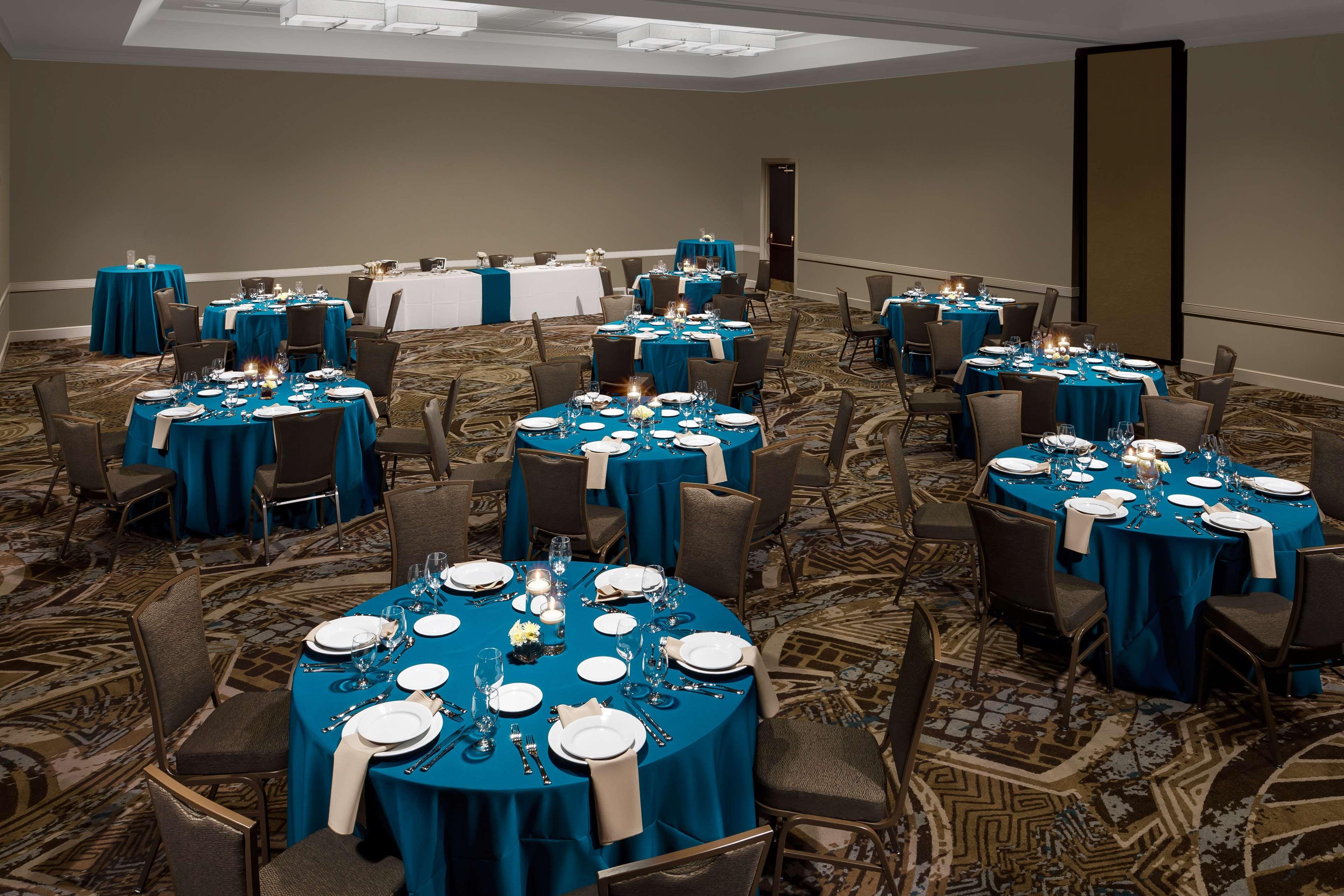 Embassy Suites by Hilton Orlando Lake Buena Vista Resort image 24