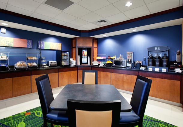 Fairfield Inn & Suites by Marriott Phoenix Chandler/Fashion Center image 8