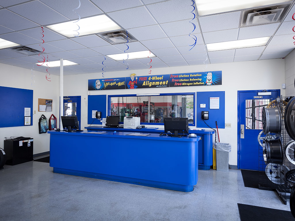 Tire Discounters image 1