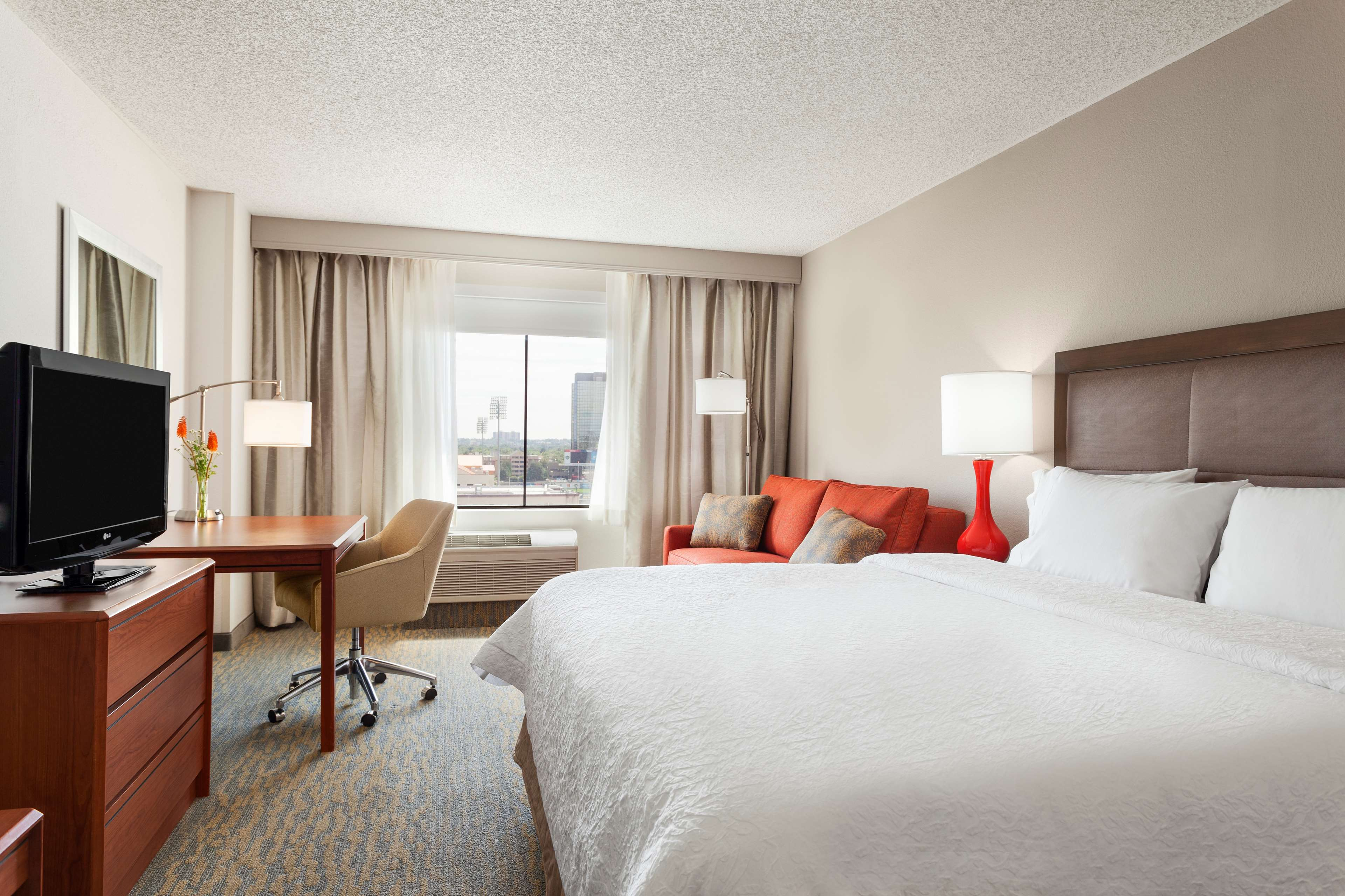 Hampton Inn & Suites Denver-Cherry Creek image 15