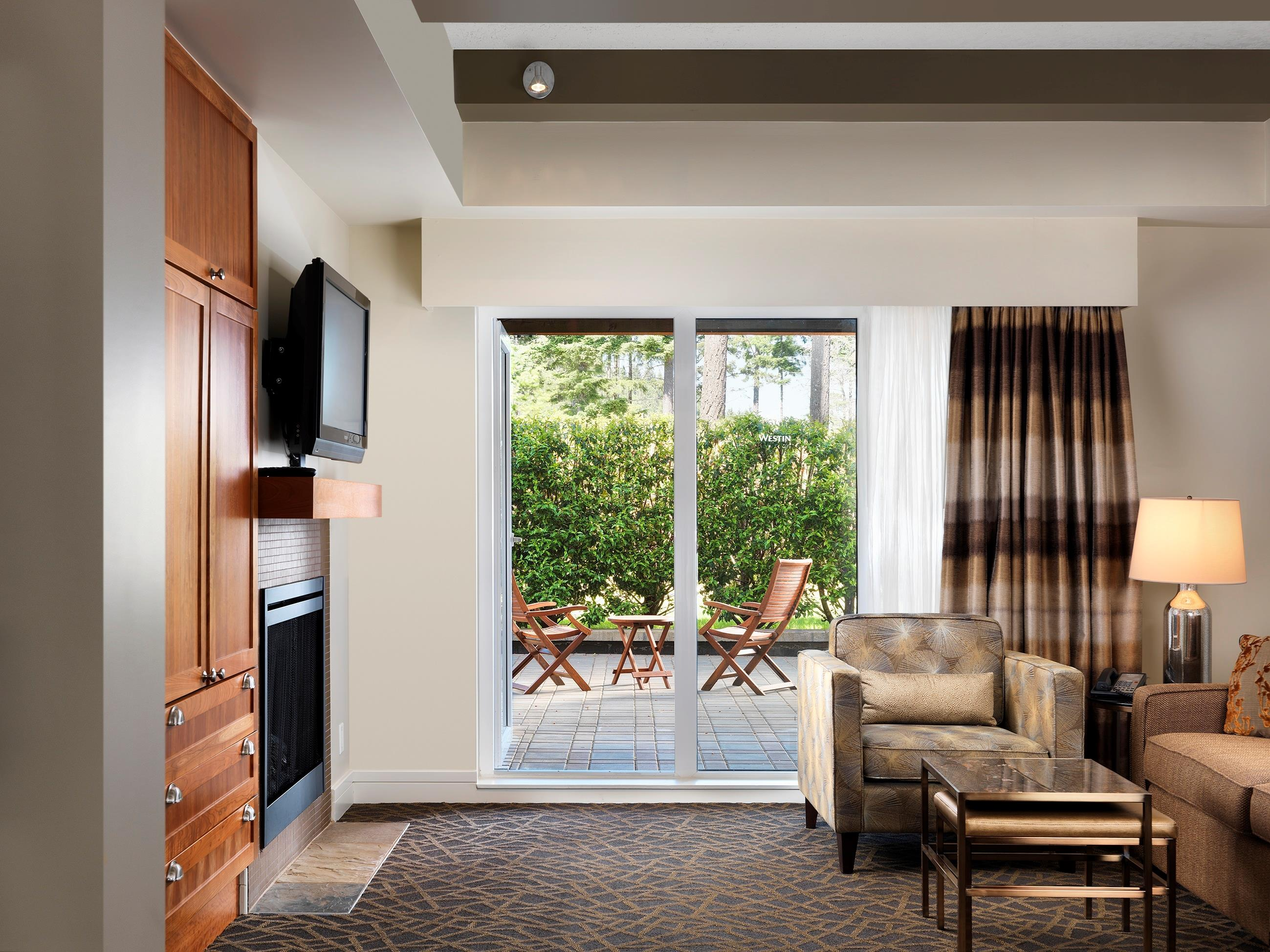 The Westin Bear Mountain Golf Resort & Spa, Victoria in Victoria: Fairways Suite Living Room