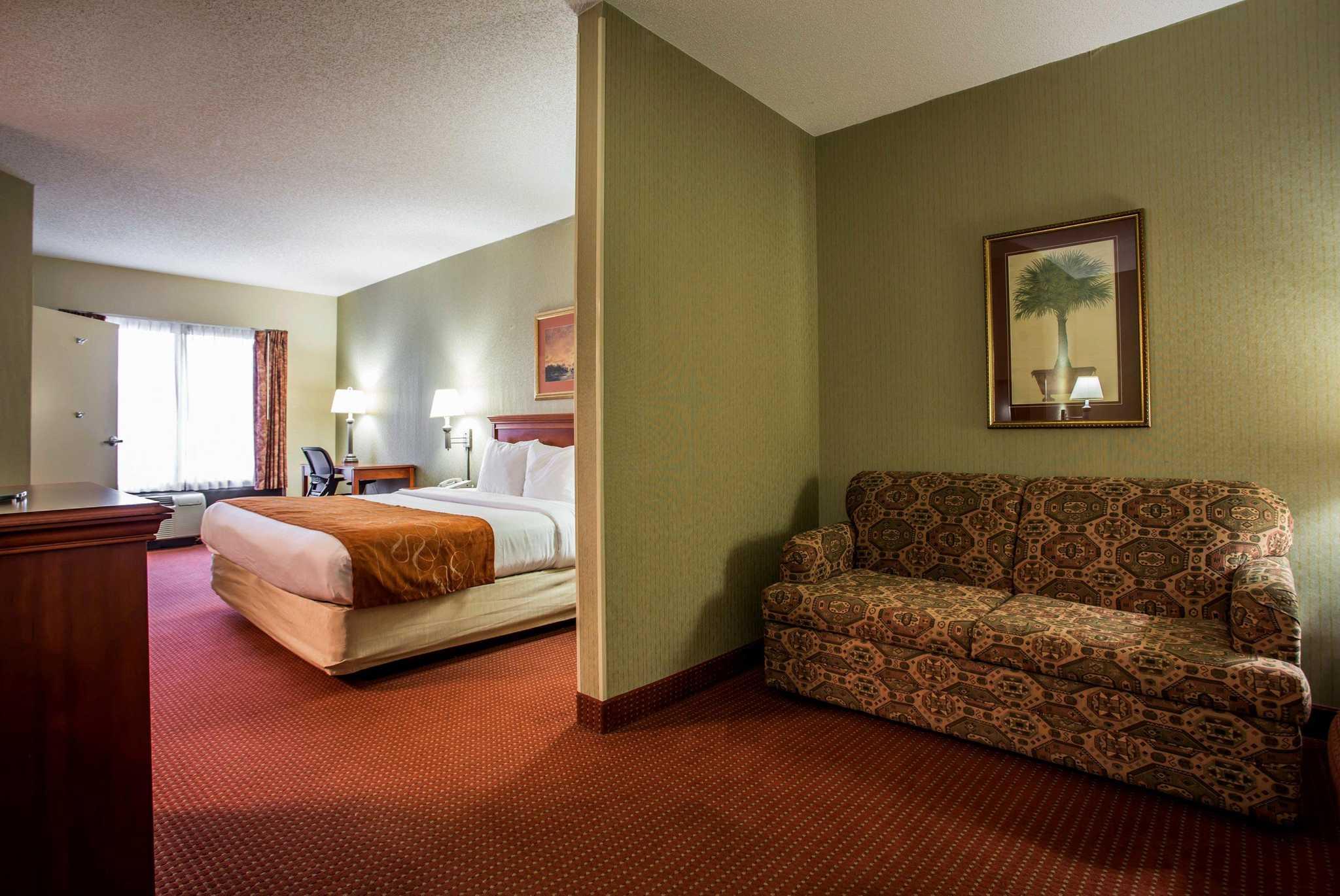Comfort Suites Northlake image 15