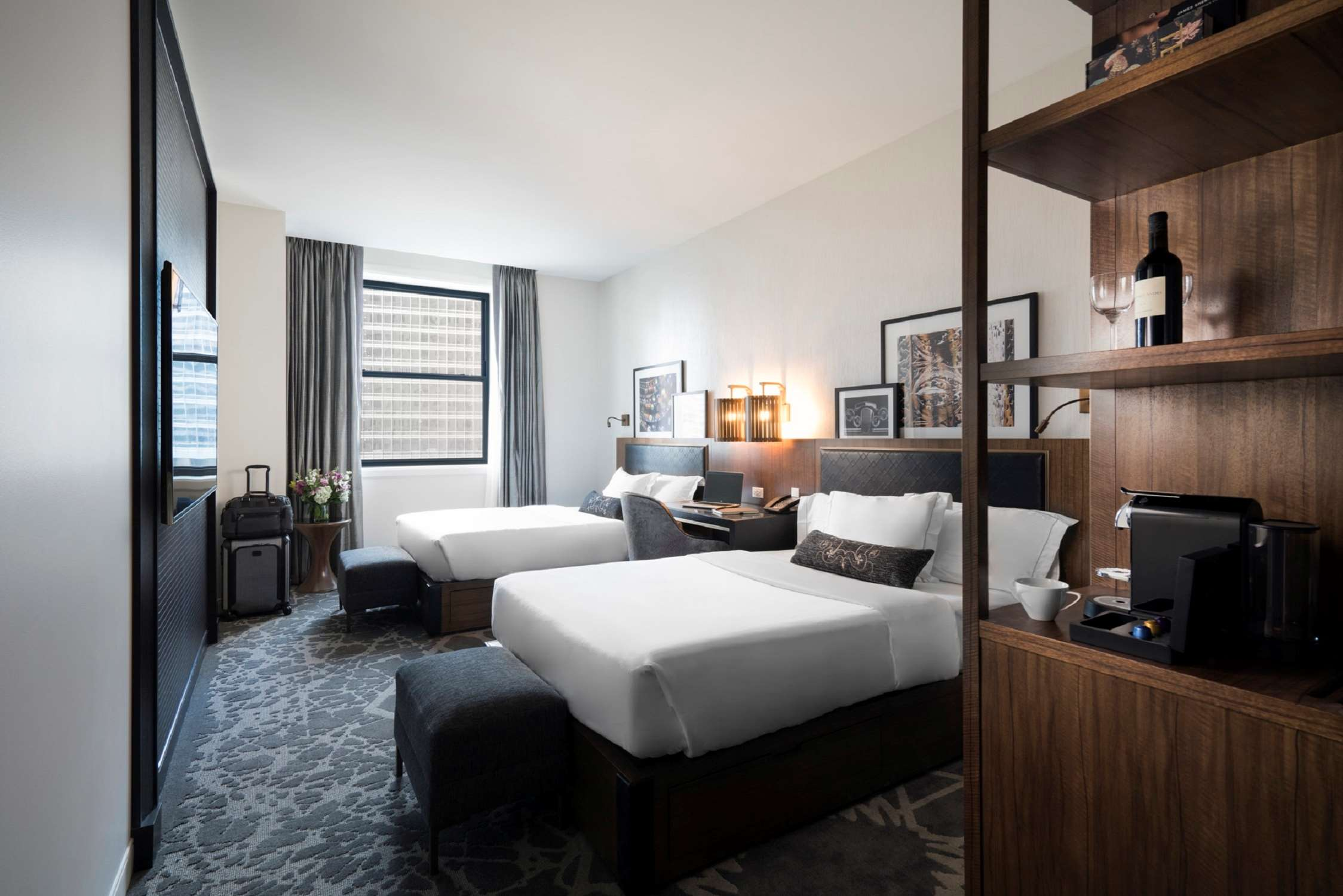 LondonHouse Chicago, Curio Collection by Hilton image 24