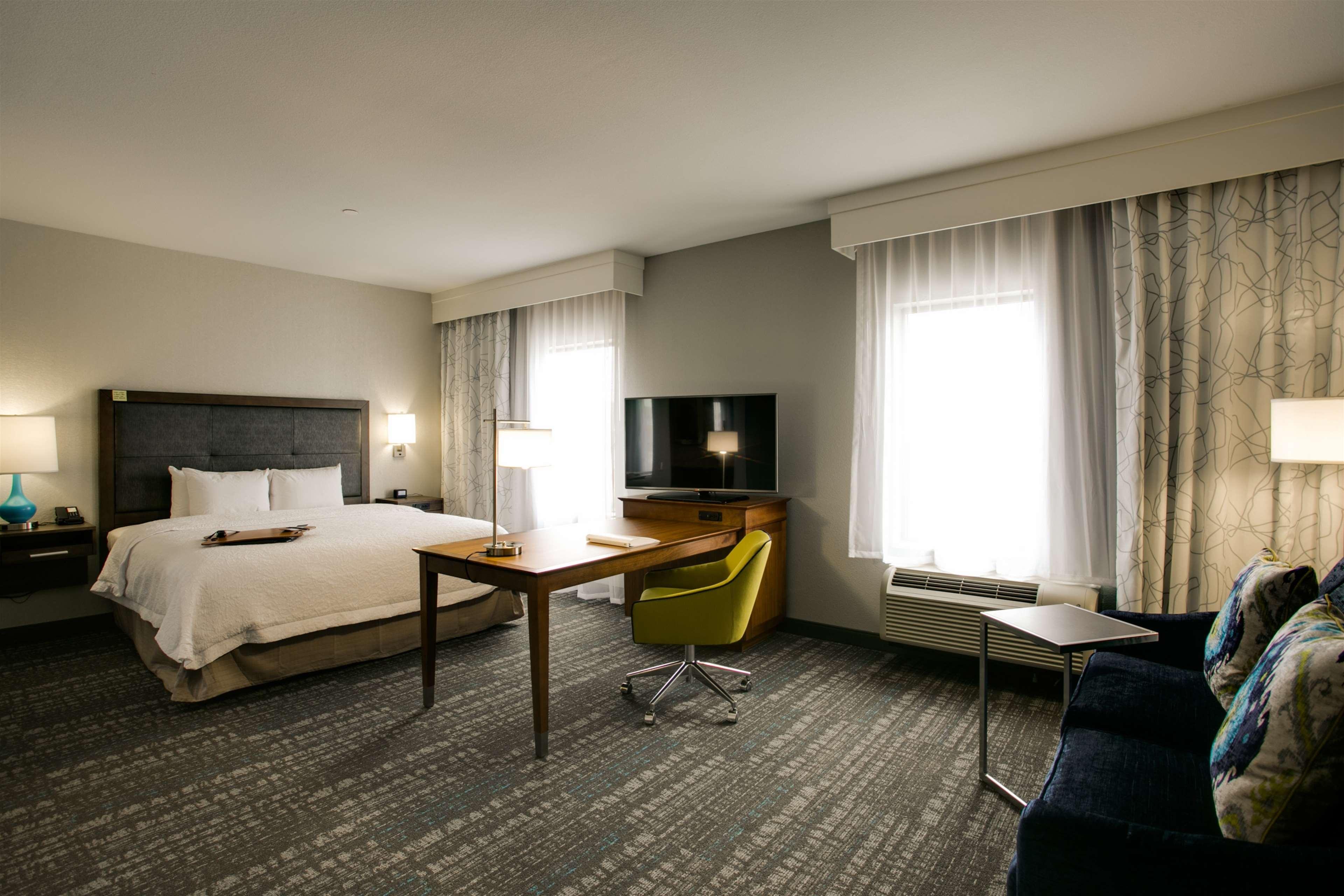 Hampton Inn & Suites Dallas/Ft. Worth Airport South image 23